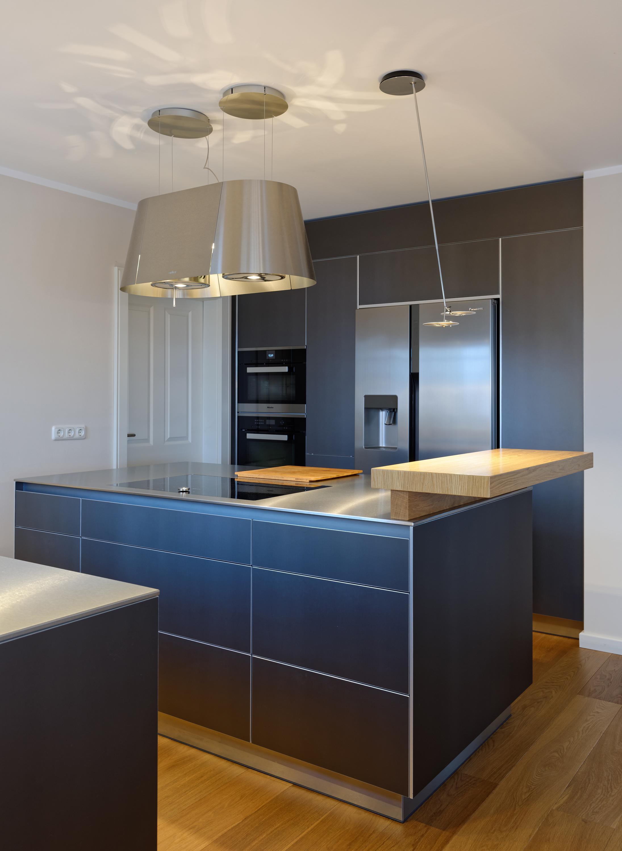 Küchenblock mit Barplatte aus massivem Holz #küche #...