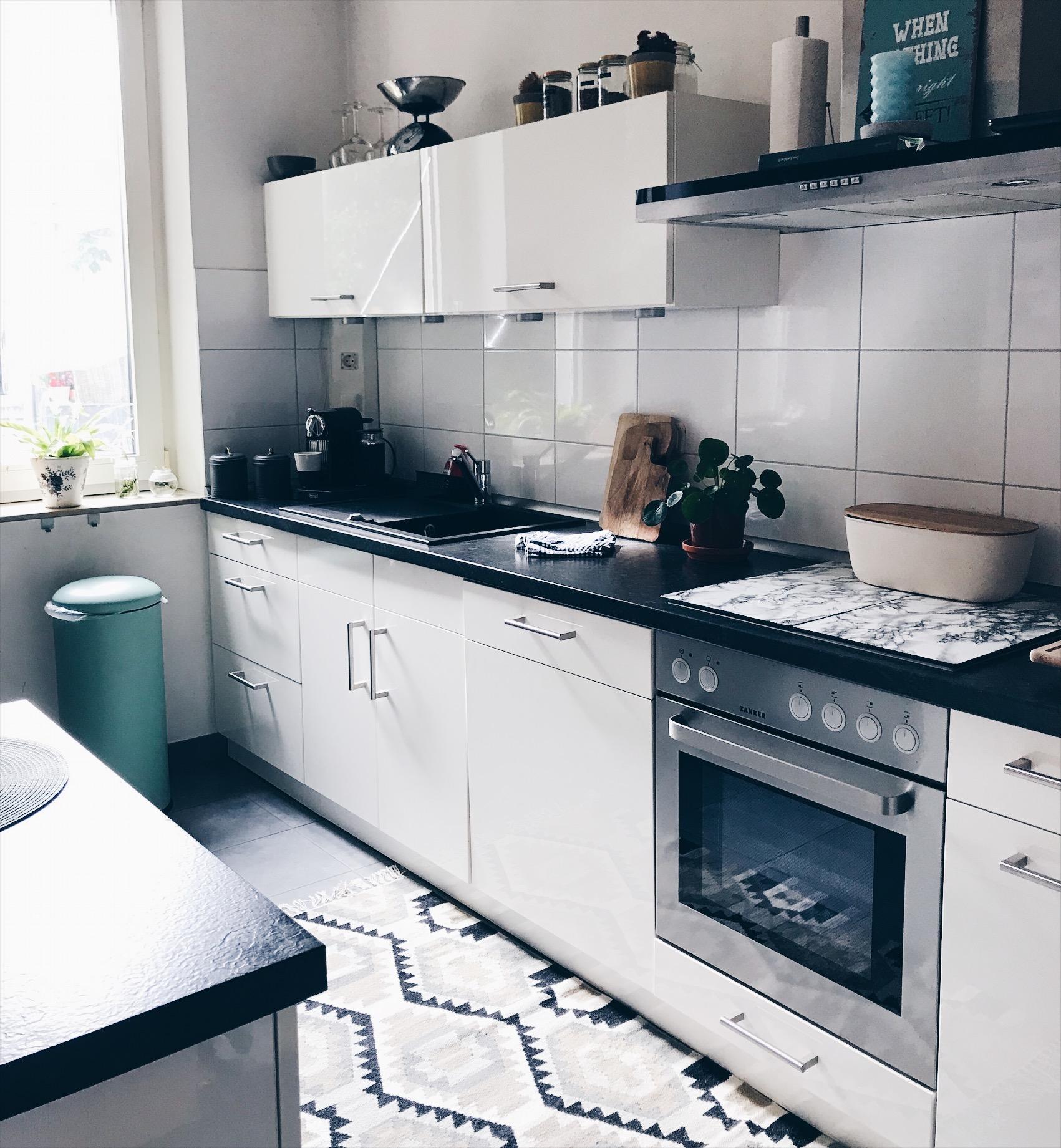 k cheninseln inspiration zum tr umen bei couch. Black Bedroom Furniture Sets. Home Design Ideas
