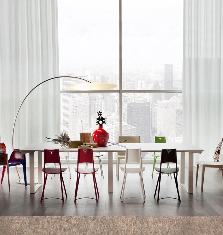 Langer Esstisch Mit Bunten Stühlen | Cattelan Italia #esstisch #konsole # Tisch #funktionsmöbel