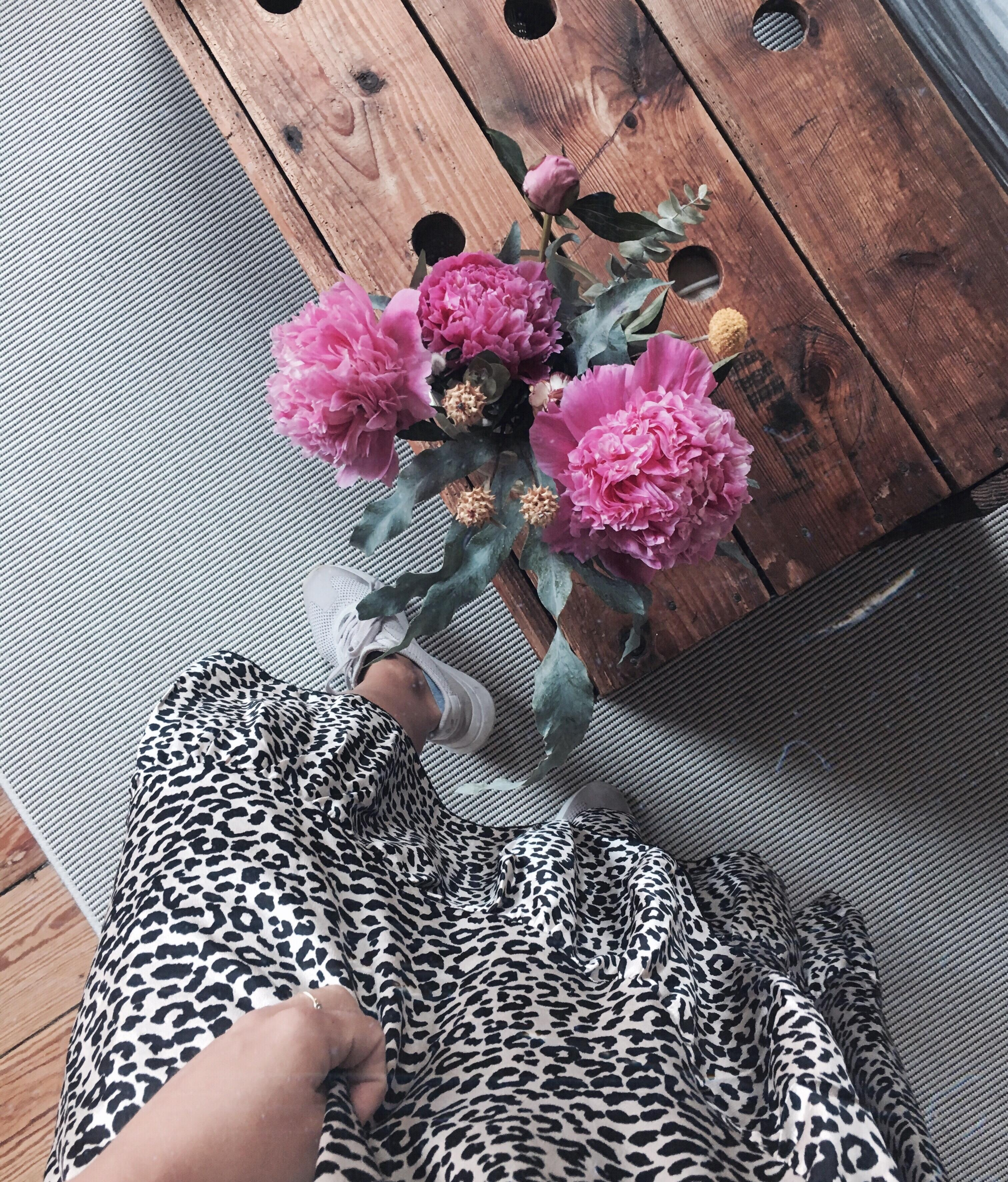 Leolove 🐆 #leoprint #flowers