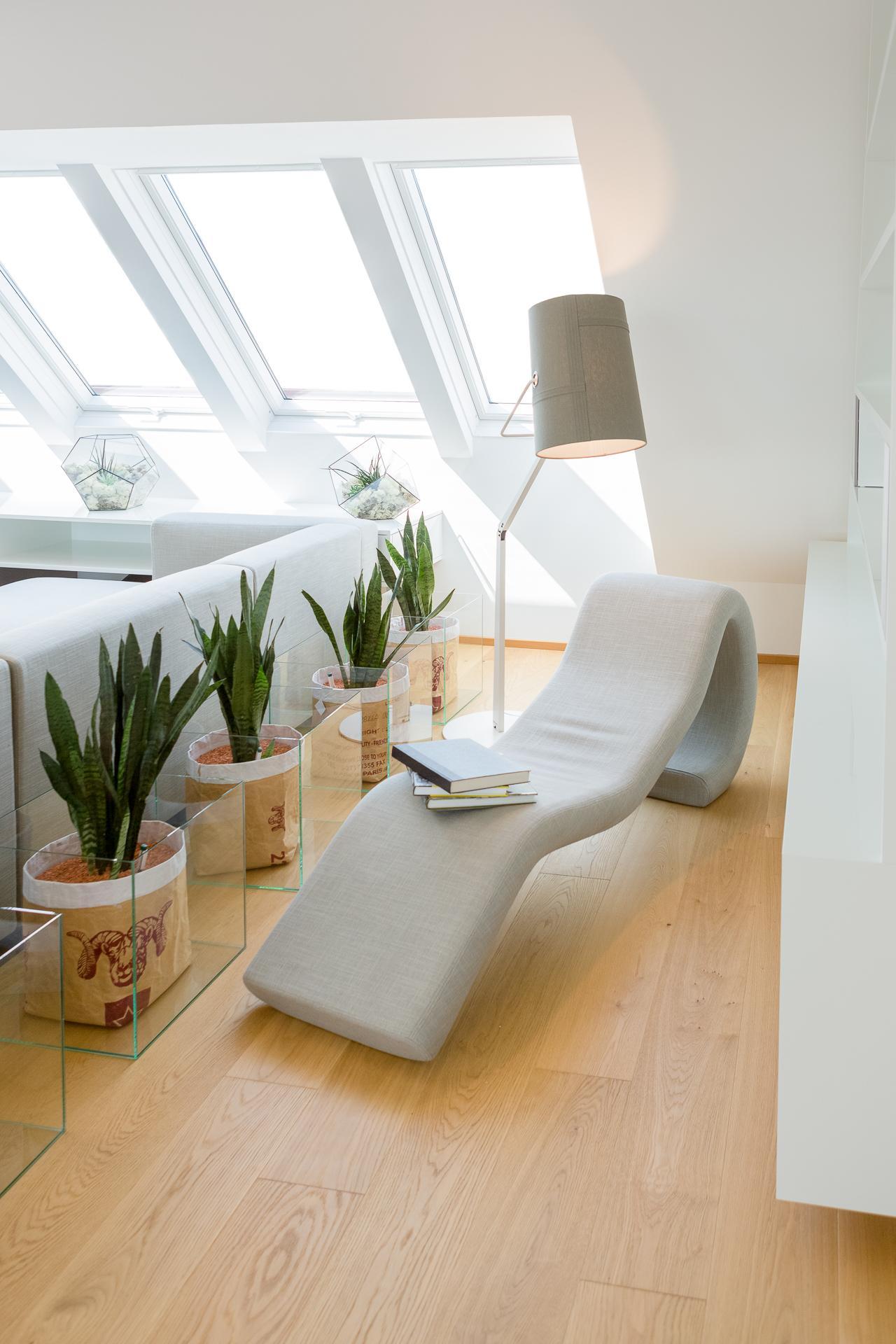 Leseecke Wohnzimmer #dachschräge ©Peter Rauchecker f...