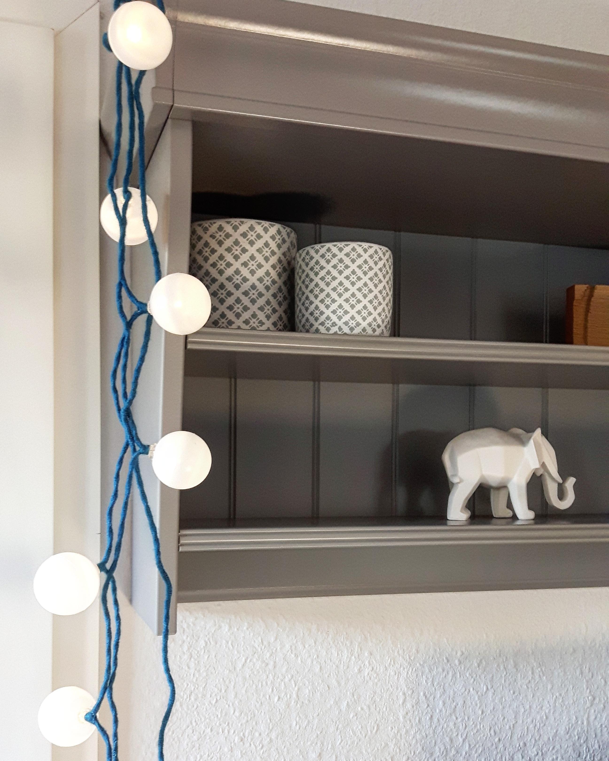 #lichterkette #diy #wandregal #licht #elefant #grau #weiss #pflanztöpfe