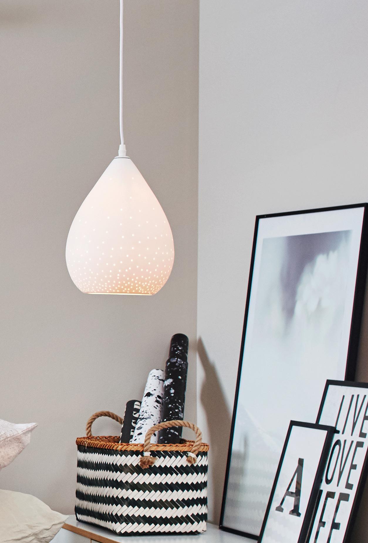 Lichtspiele Auf Wand Und Mobel Hangeleuchte Lampe
