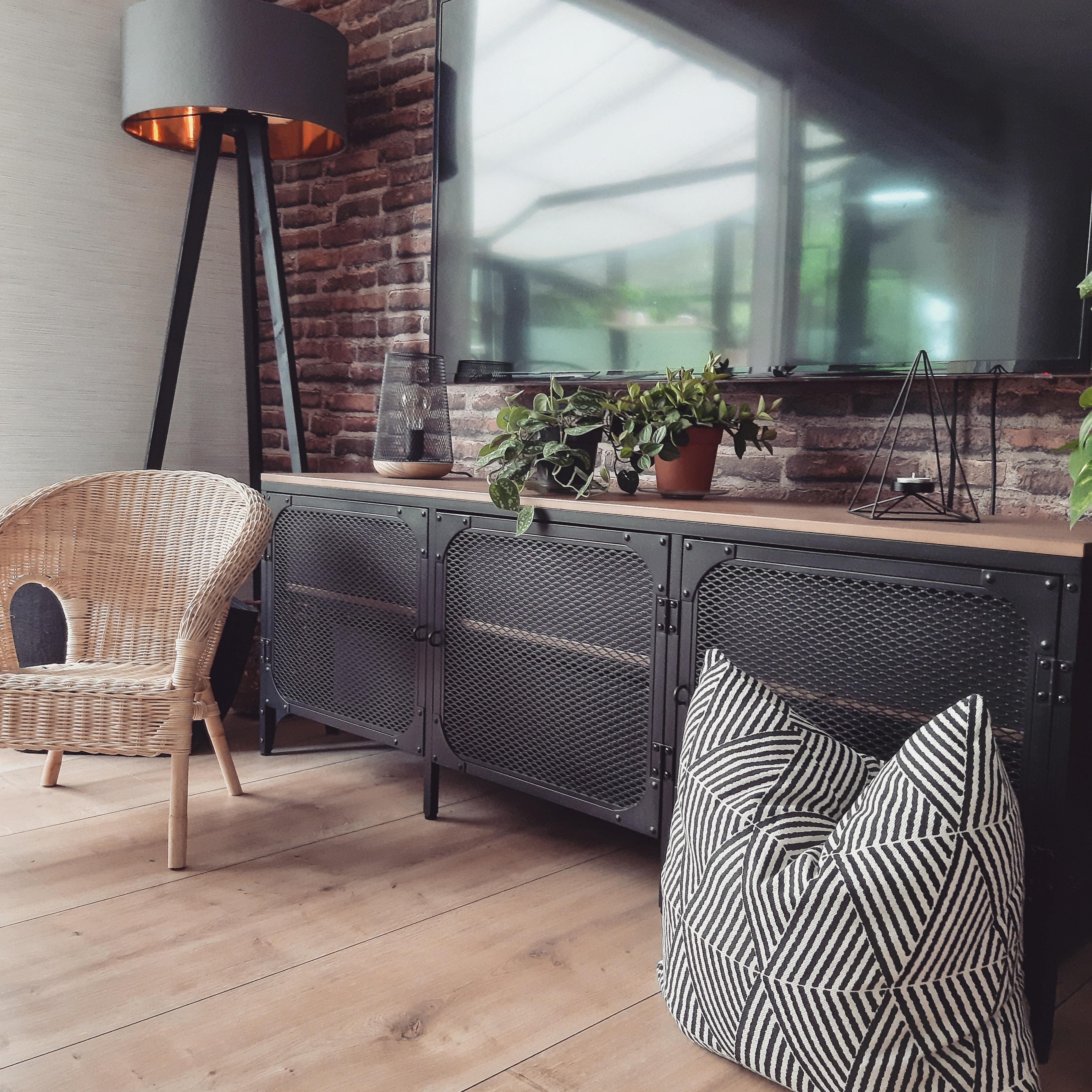 Steinwand In Wohnzimmer Oder Kuche Ideen Bei Couch