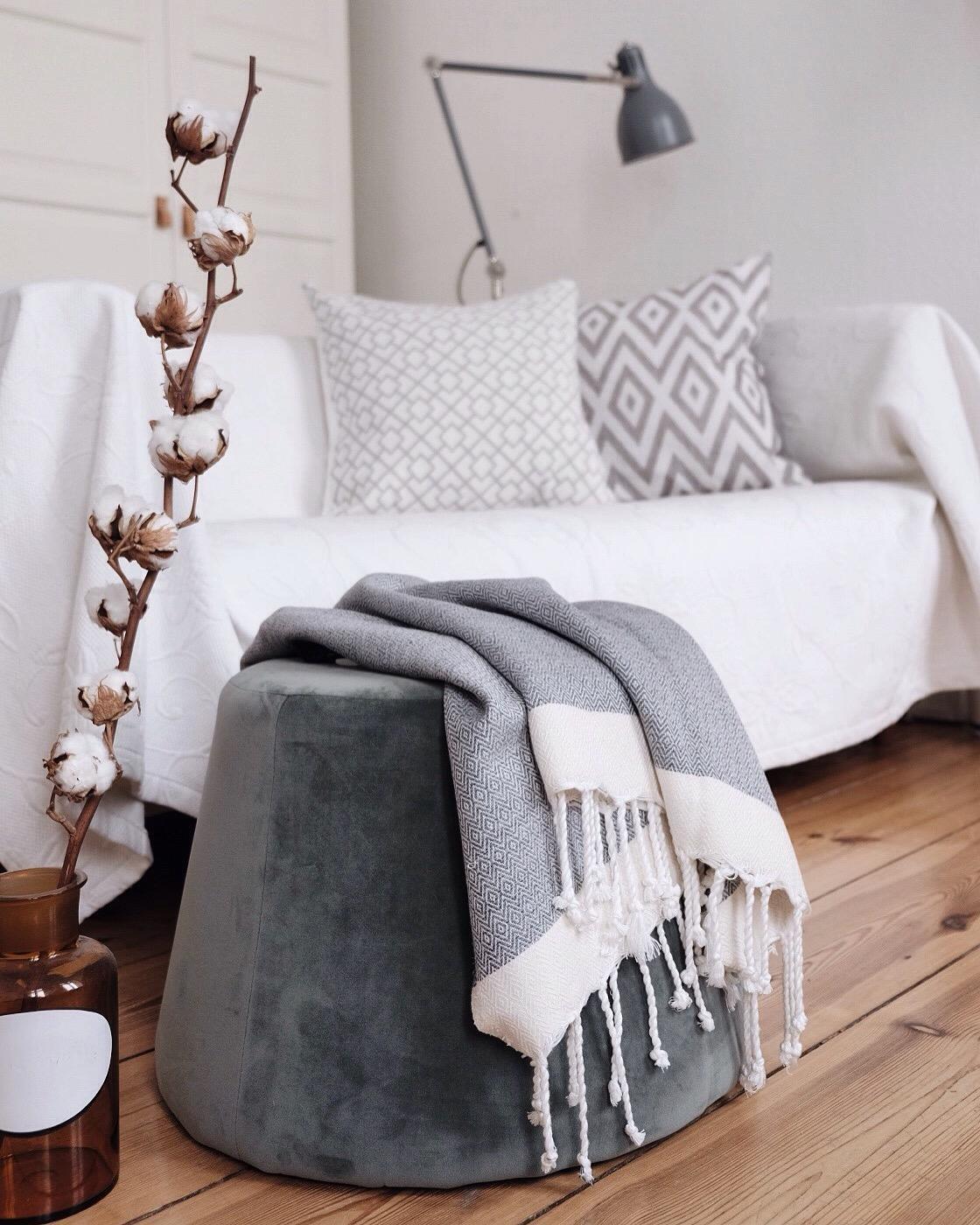 kissen o bilder ideen couchstyle wohnzimmer kissen und decken. Black Bedroom Furniture Sets. Home Design Ideas