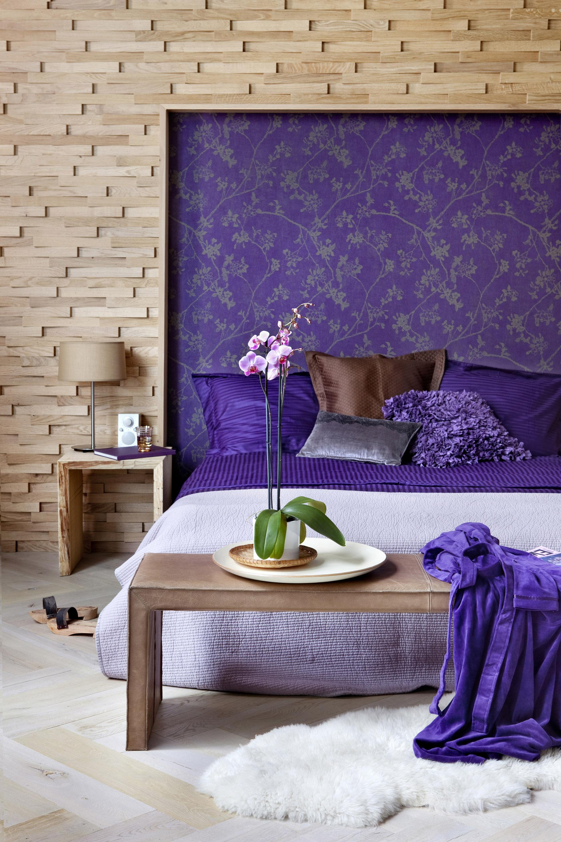 Lilafarbenes Betthaupt #betthaupt ©BN Wallcoverings