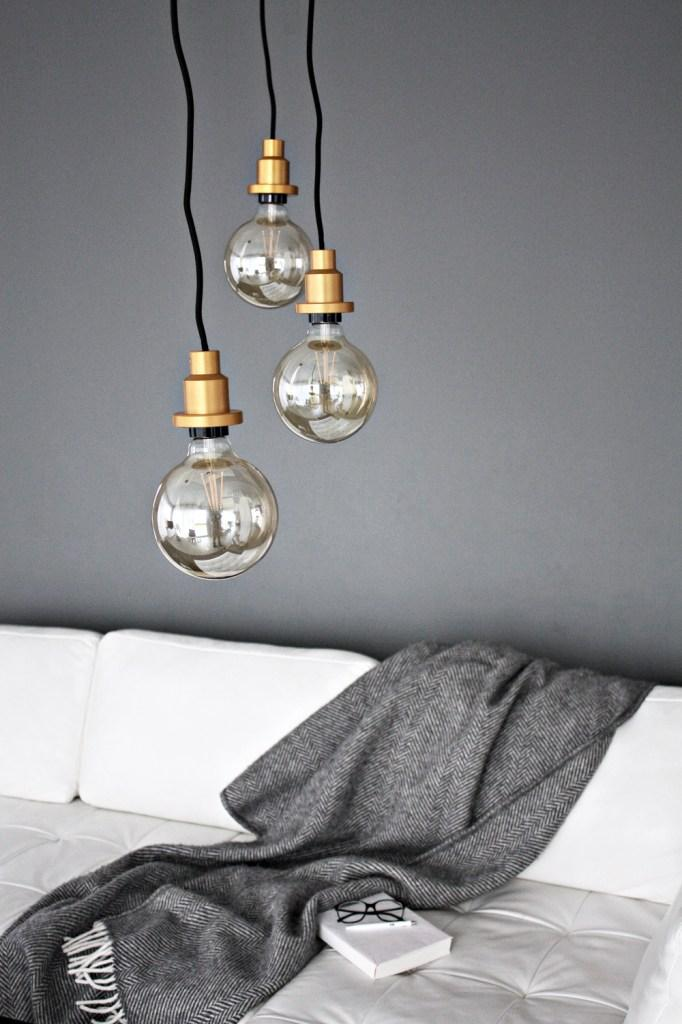 Living Room Update – LED pendant lightbulbs #wohnzimmer ©http://www.designsetter.de/living-room-update-led-pendant-lightbulbs/