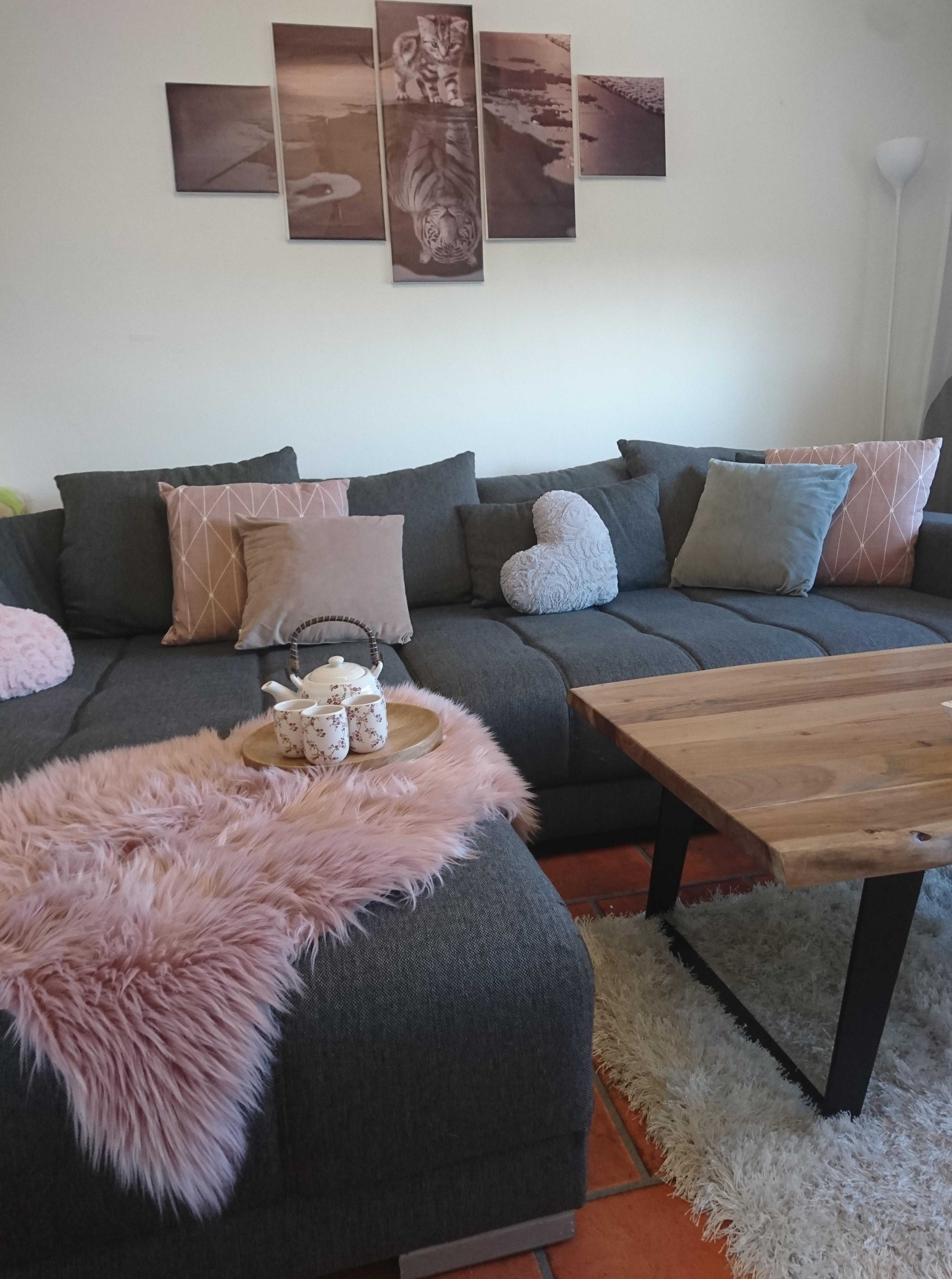 #livingchallenge #wohnzimmer #couch #grau #holz