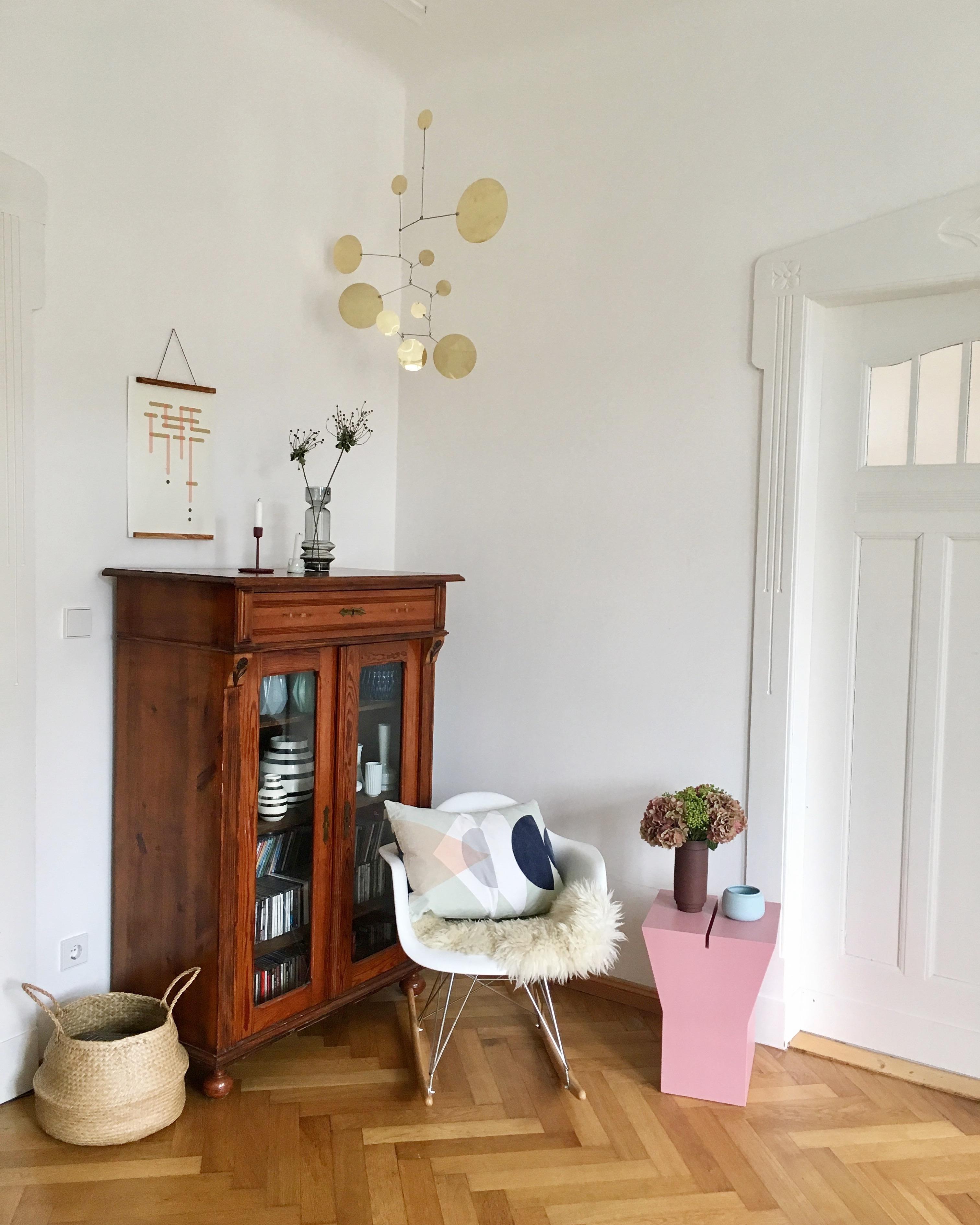Schaukelstuhl bilder ideen couchstyle for Bambus schaukelstuhl
