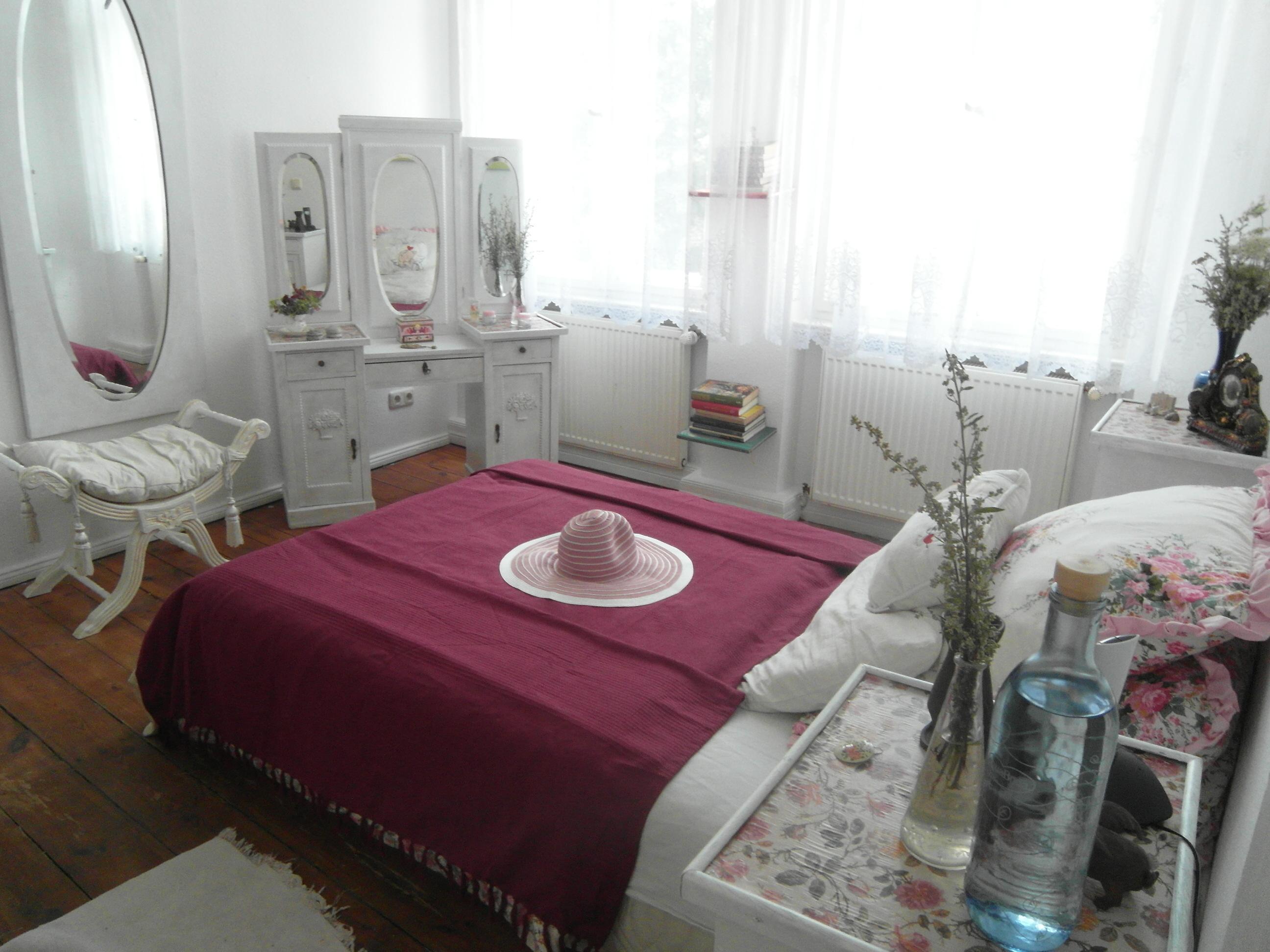 wei er hocker bilder ideen couch. Black Bedroom Furniture Sets. Home Design Ideas