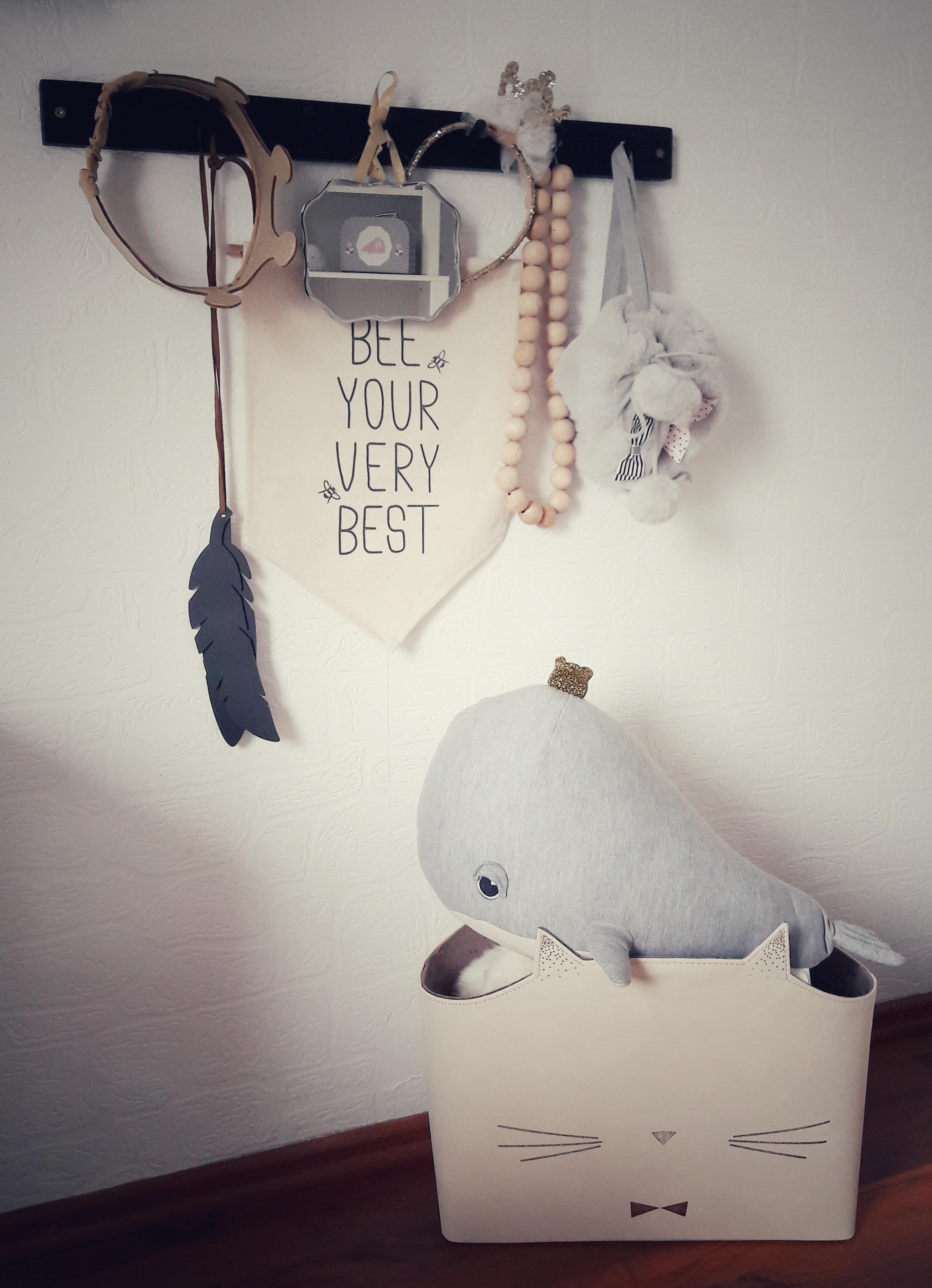 Verzauberkunst Garderobenhaken Kinderzimmer Foto Von Mäuschens Garderobe #kinderzimmer #garderobe #krone #maileg #wal