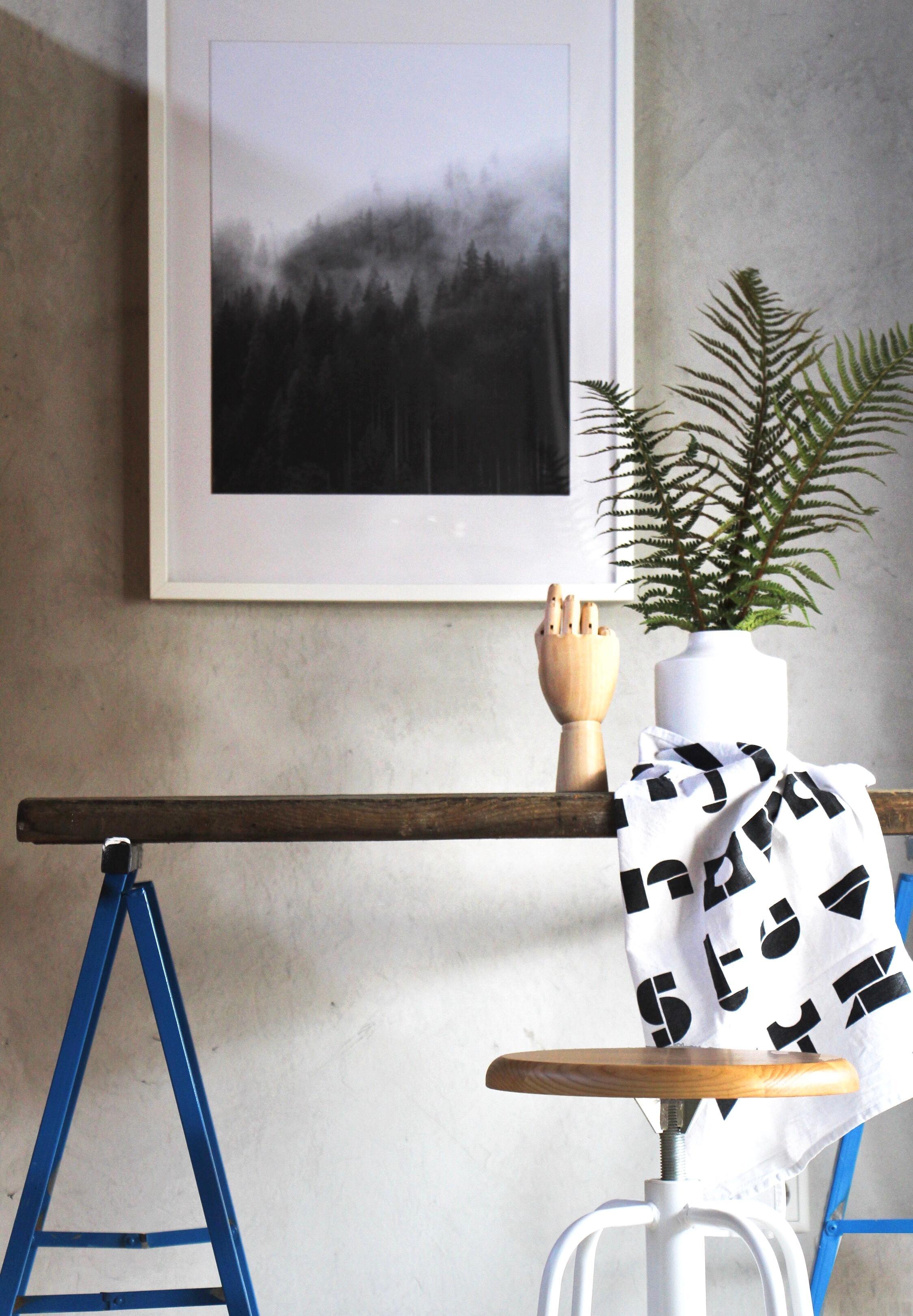 man braucht eigentlich nicht viel homeoffice s. Black Bedroom Furniture Sets. Home Design Ideas