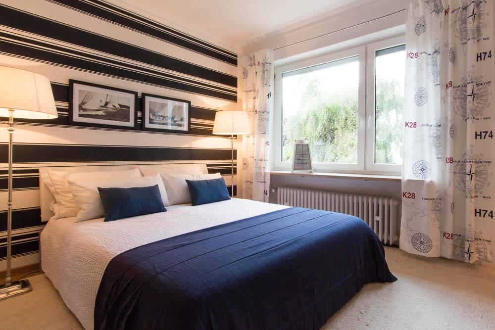 Maritimes Schlafzimmer in blau weiß #maritim ©Münchn...