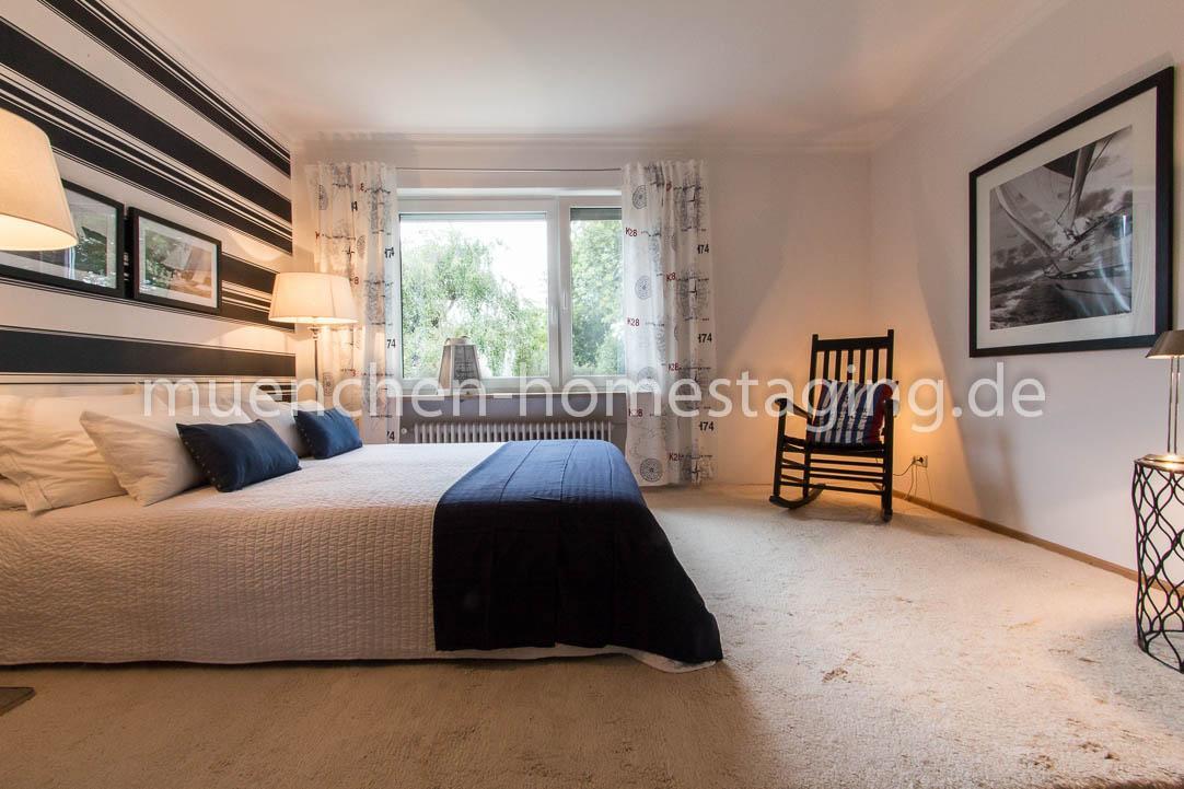 Maritimes Schlafzimmer mit Schaukelstuhl #tagesdecke...