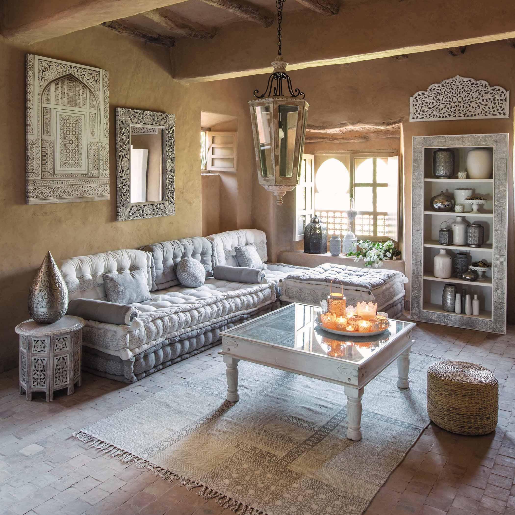 Elegant Marokkanischer Stil Modern Interpretiert #couchtisch #beistelltisch  #teppich #wandschrank #pouf #wandspiegel