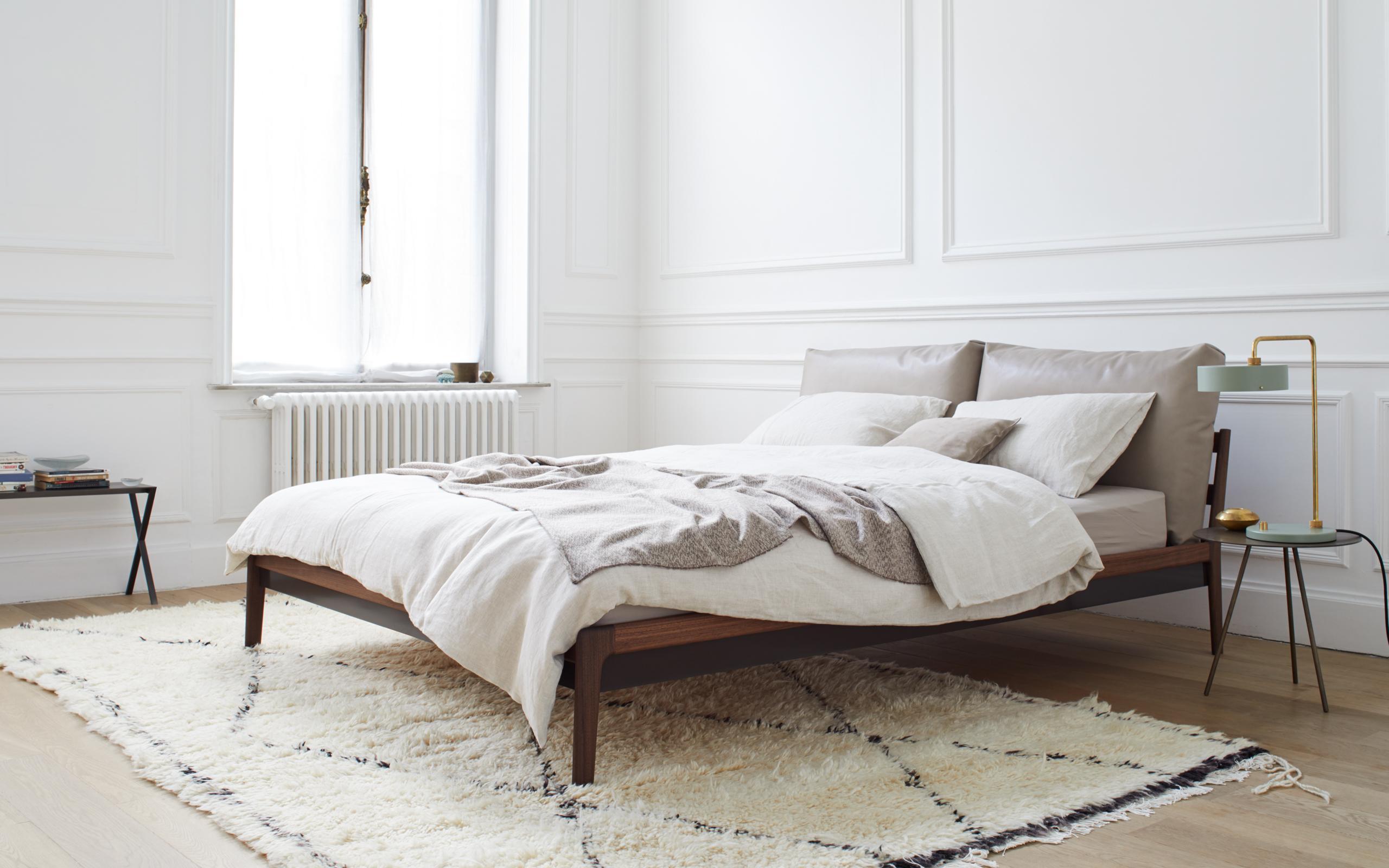 Genial Bett Minimalistisch Sammlung Von Massivholzbett Sova Von [more] #bett #minimalistisch ©more