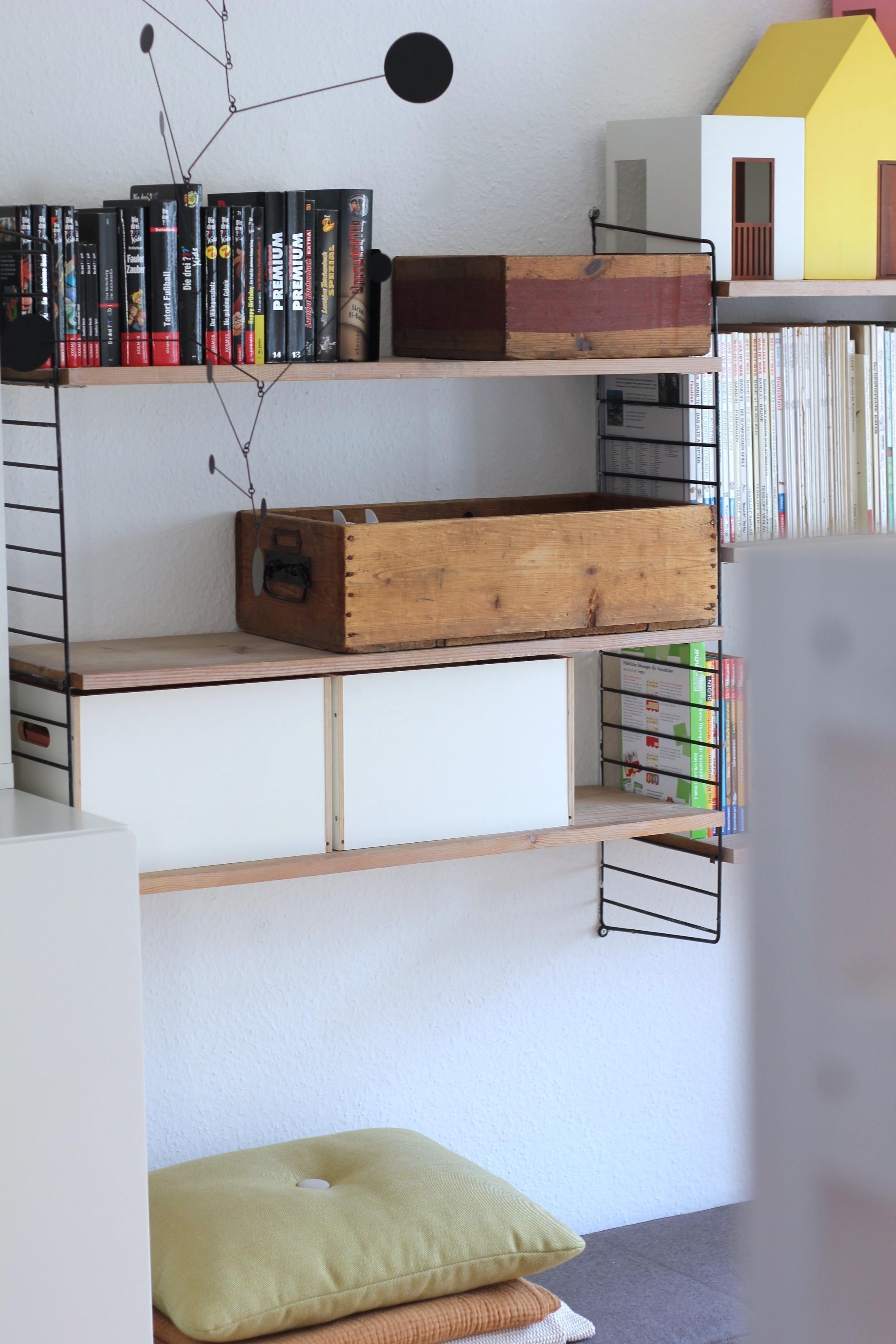 kinderbett mit stauraum bilder ideen couch. Black Bedroom Furniture Sets. Home Design Ideas