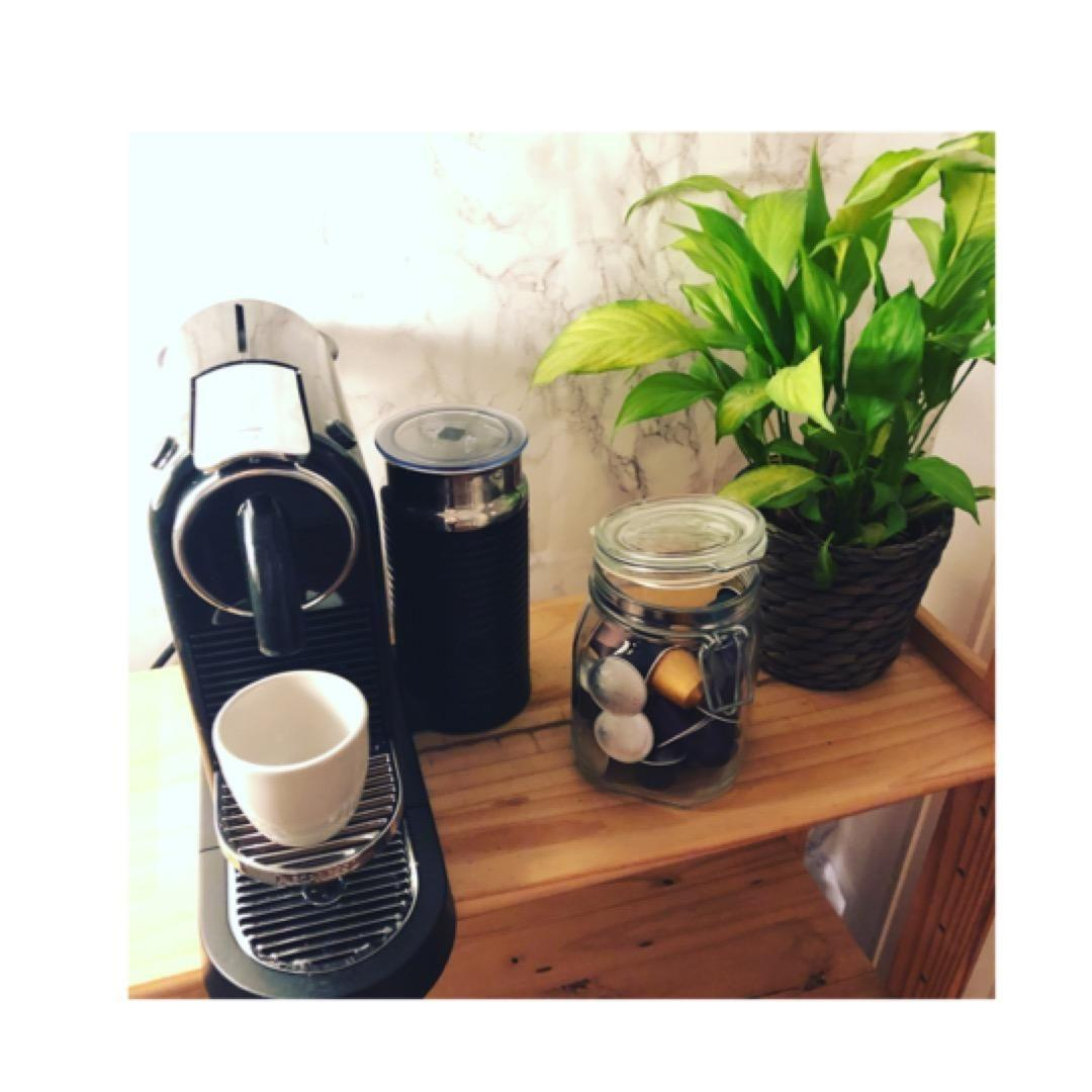Mein Montags-Moment.. #monday #morning #coffee #nespresso #living #kitchen #home #altbau #diy #marmor # zuhause #wohnen
