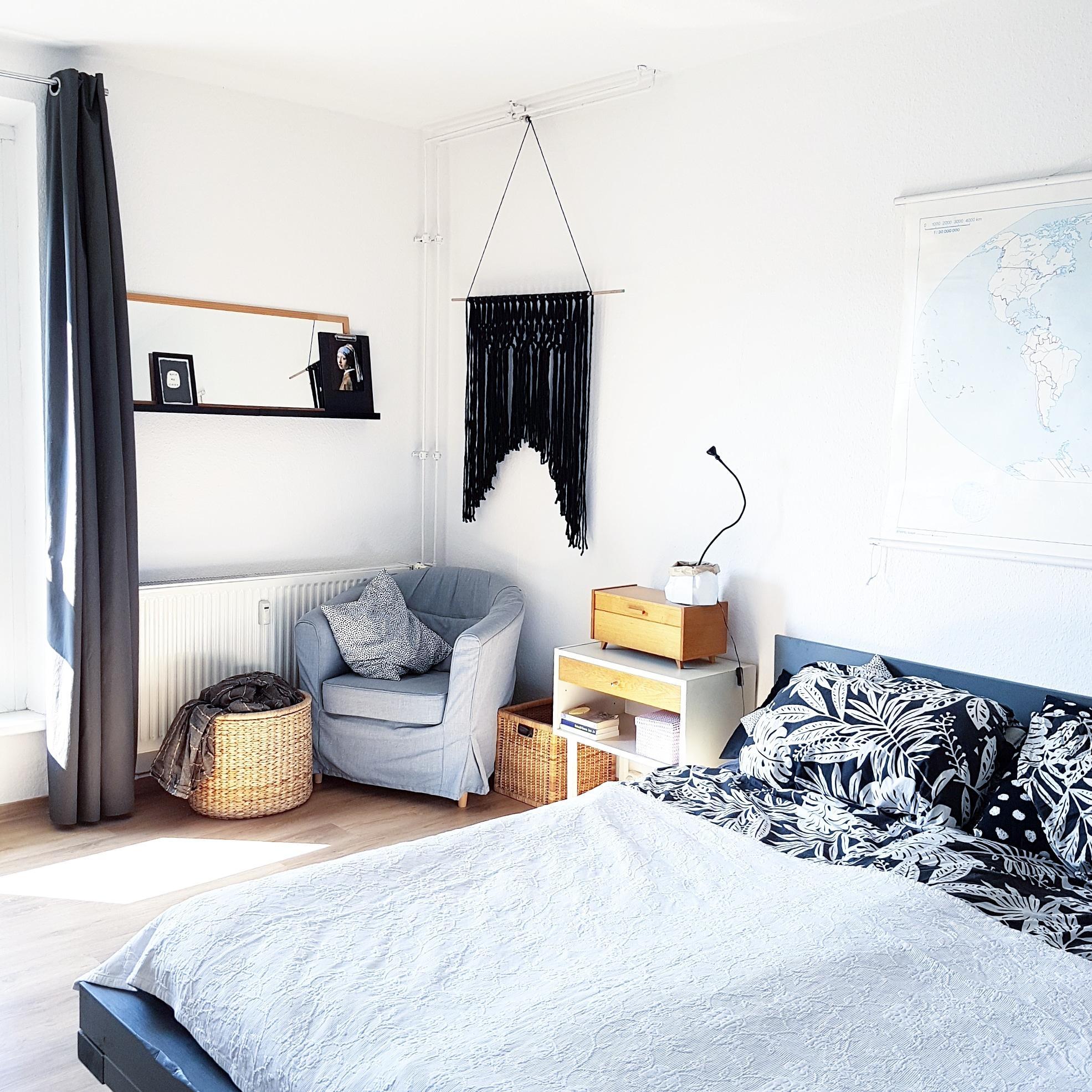 bett gestalten interesting einrichten tolle ideen deko grau weiss gestalten weia farbe bett. Black Bedroom Furniture Sets. Home Design Ideas