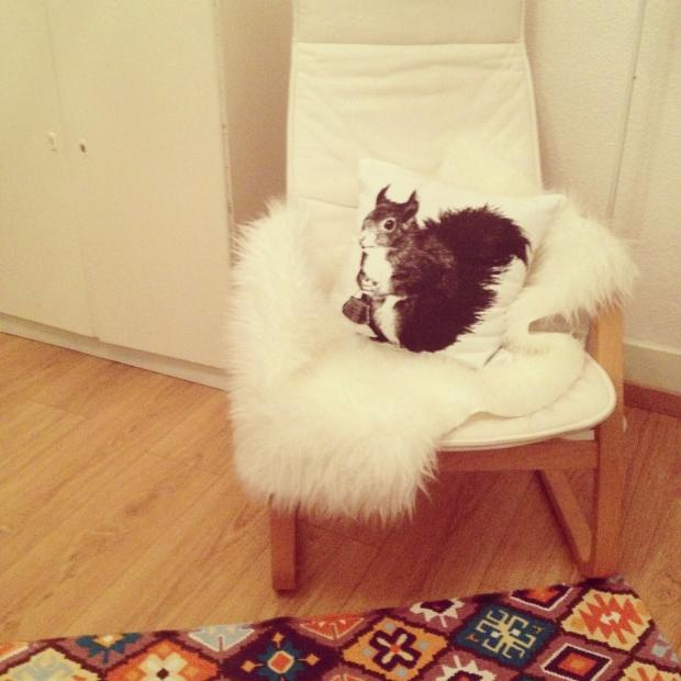 meine lounge area homestory couch. Black Bedroom Furniture Sets. Home Design Ideas