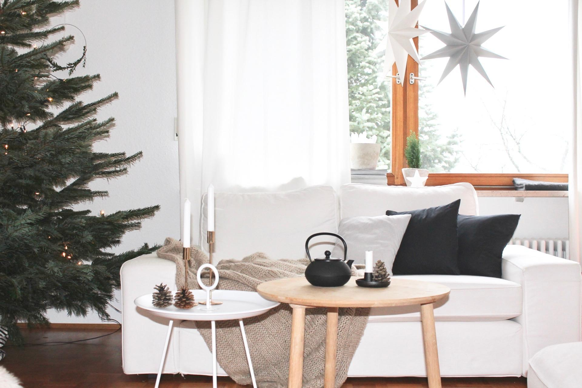 meine weihnachtsecke holztisch wohnzimmer vorhang kerzenstnder ikea sofa teekanne - Wohnzimmer Vorhang Ikea