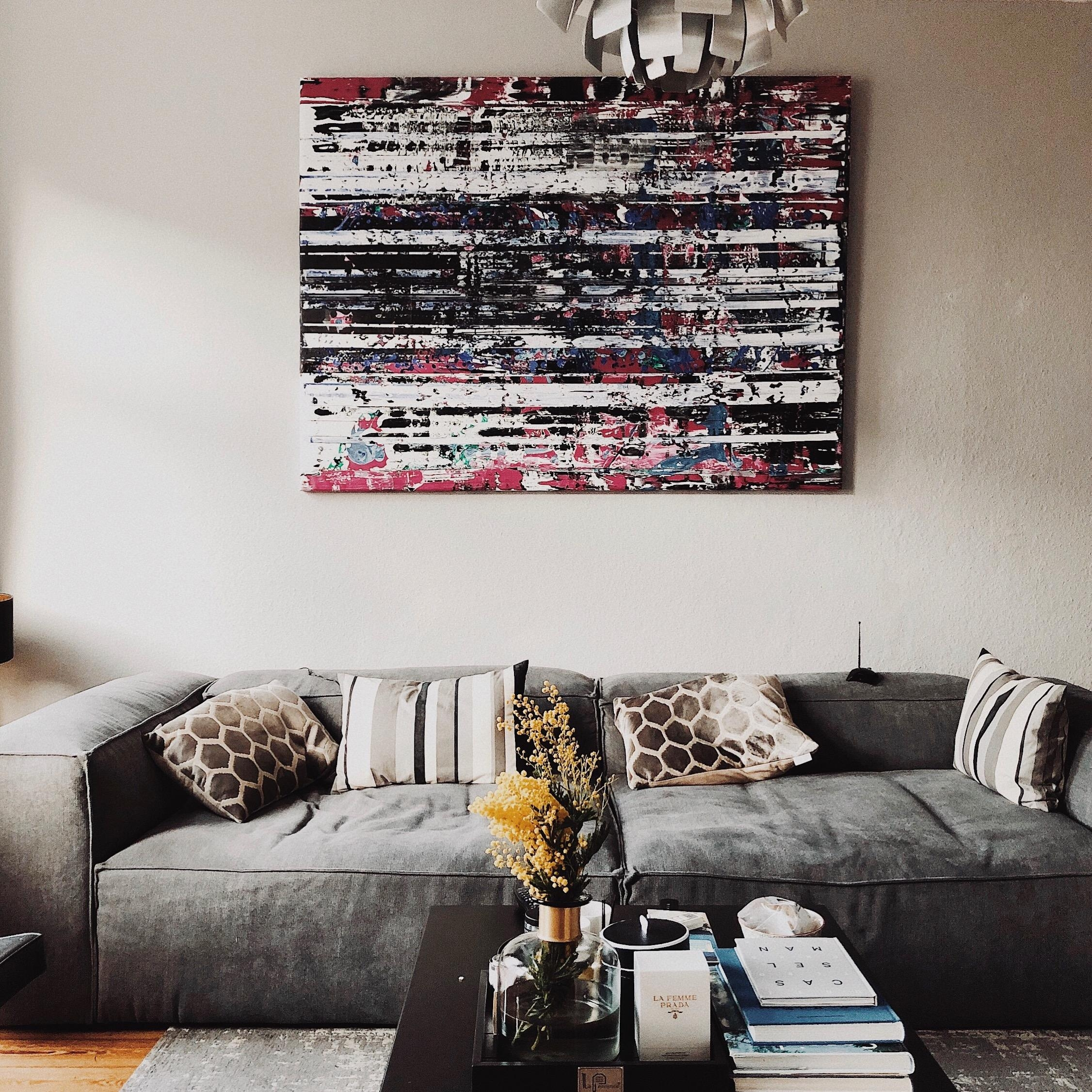 Mimosa #flowers #living #interior #danishdesign #couch #couchtable #livingroom #couchstyle #blumen #art #blumen #bild