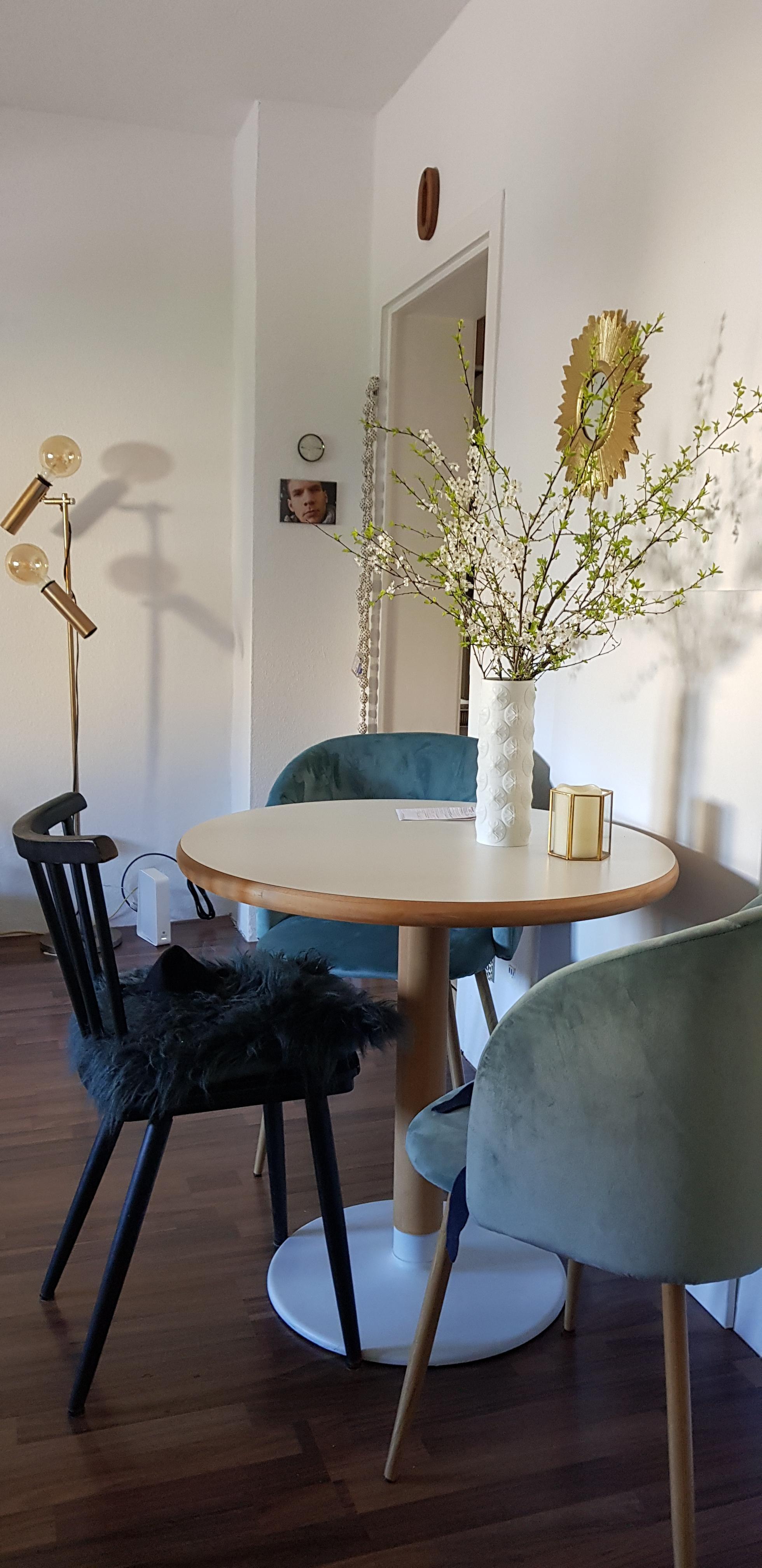 Mini Essplatz #kleinerraum#wohnzimmer#essecke#esstisch#retro#vintage#altu0026amp