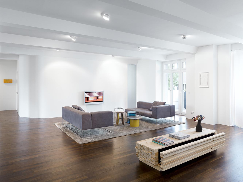 Minimumloft Wohnbereich Couchtisch Teppich Wohnzimmerdeko Ausgefallenercouchtisch Cminimum Christian Gahl
