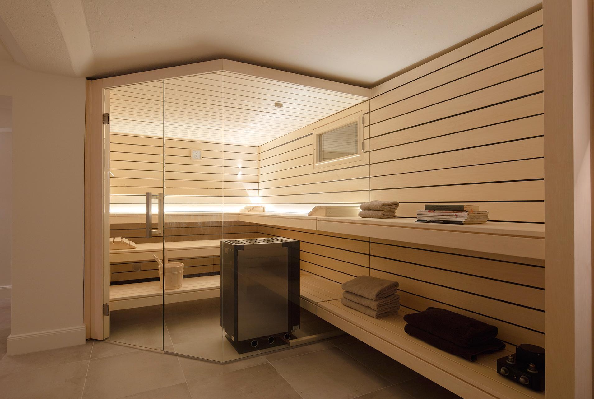Moderne Sauna moderne corso design-sauna mit herausgezogenen bänke