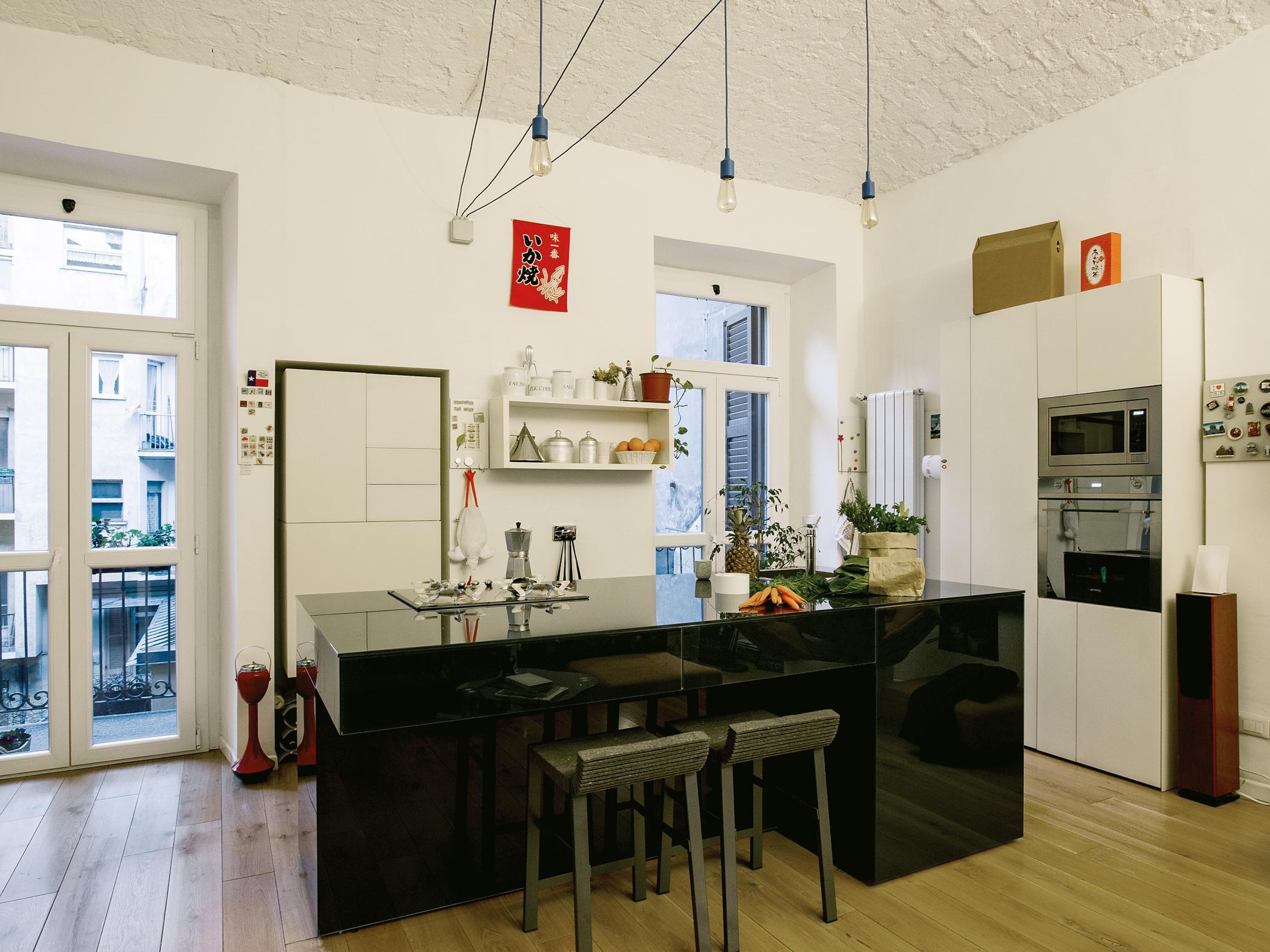 Moderne Kücheninsel schwarze kücheninsel bilder ideen couchstyle