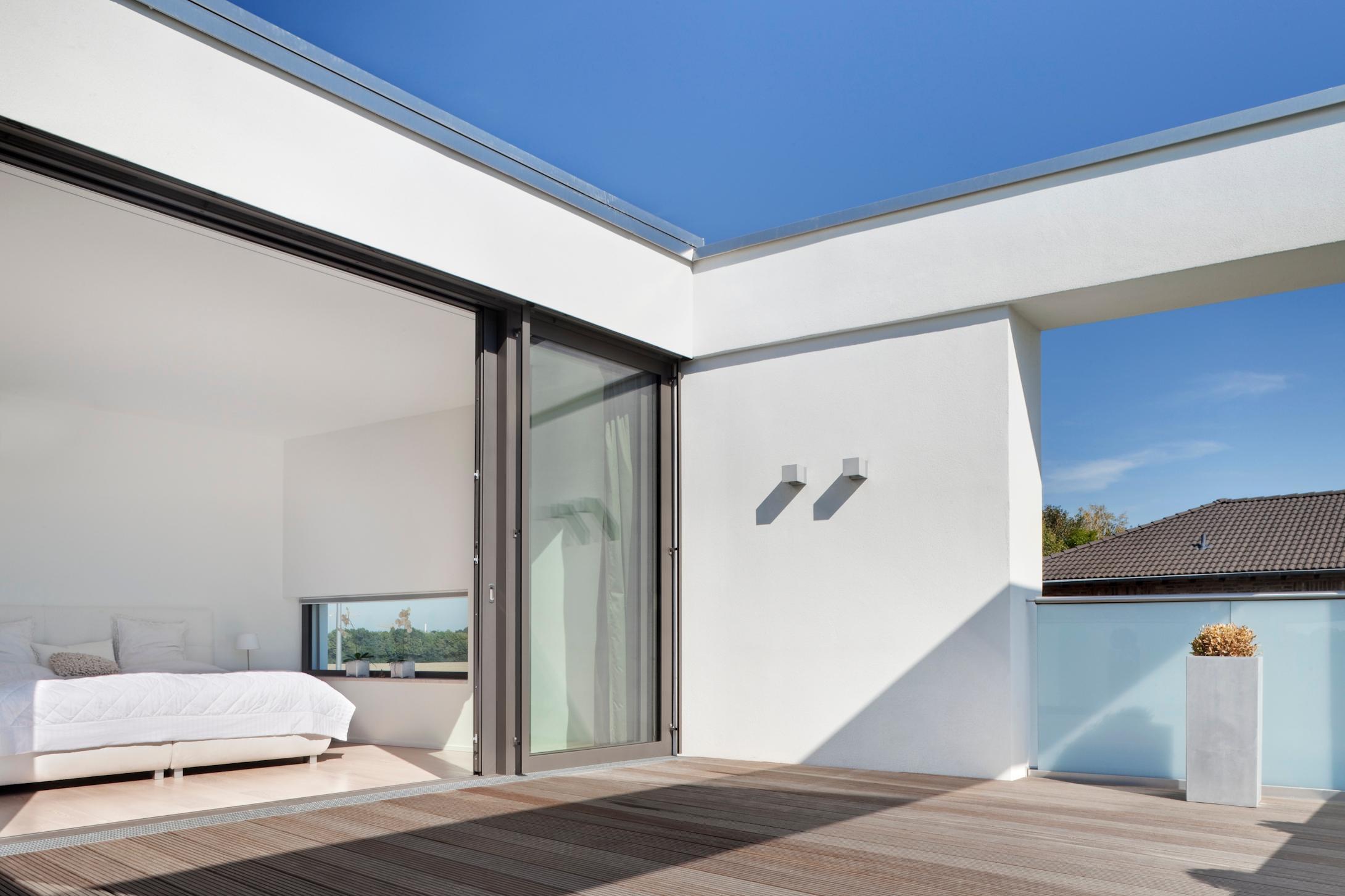 Moderne villa im mediterranen stil bauhausstil pur