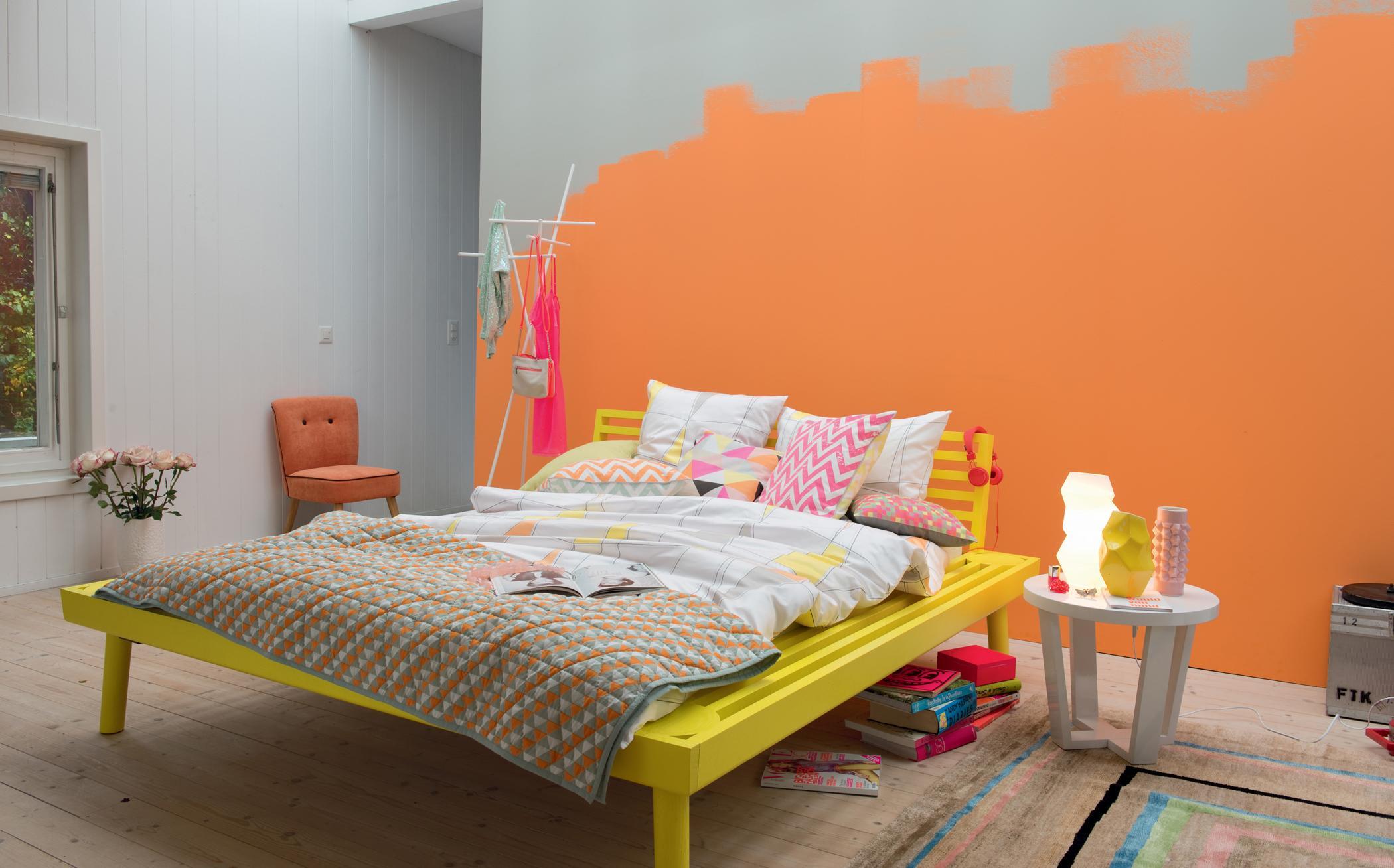 Gut Moderne Wandgestaltung #bett #weißernachttisch #nachttisch  #grauewandgestaltung #designwand ©Pfister