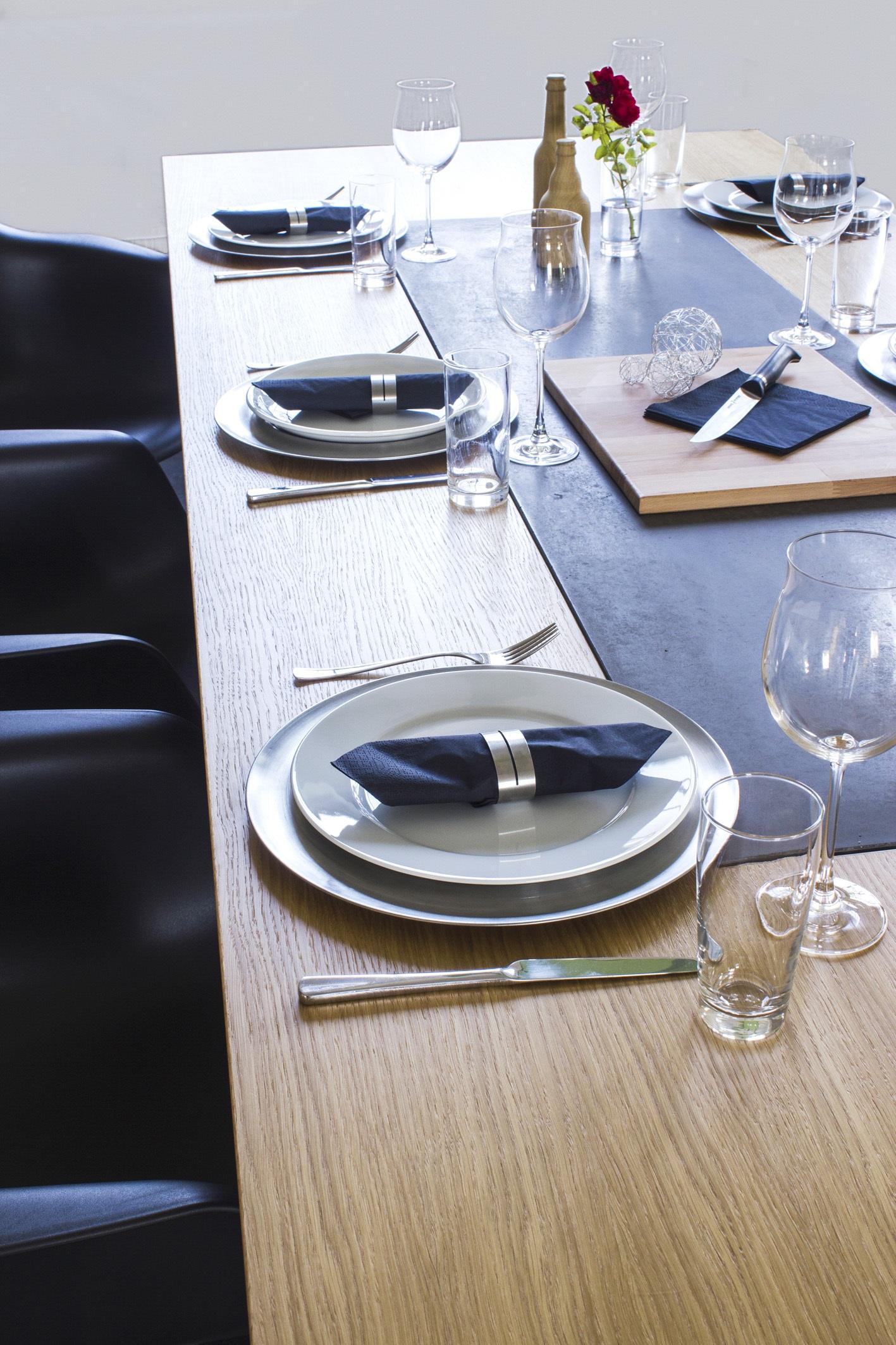 Moderner Esstisch Aus Holz Und Beton Tischdeko Betonmbel Betontisch Tischlufer