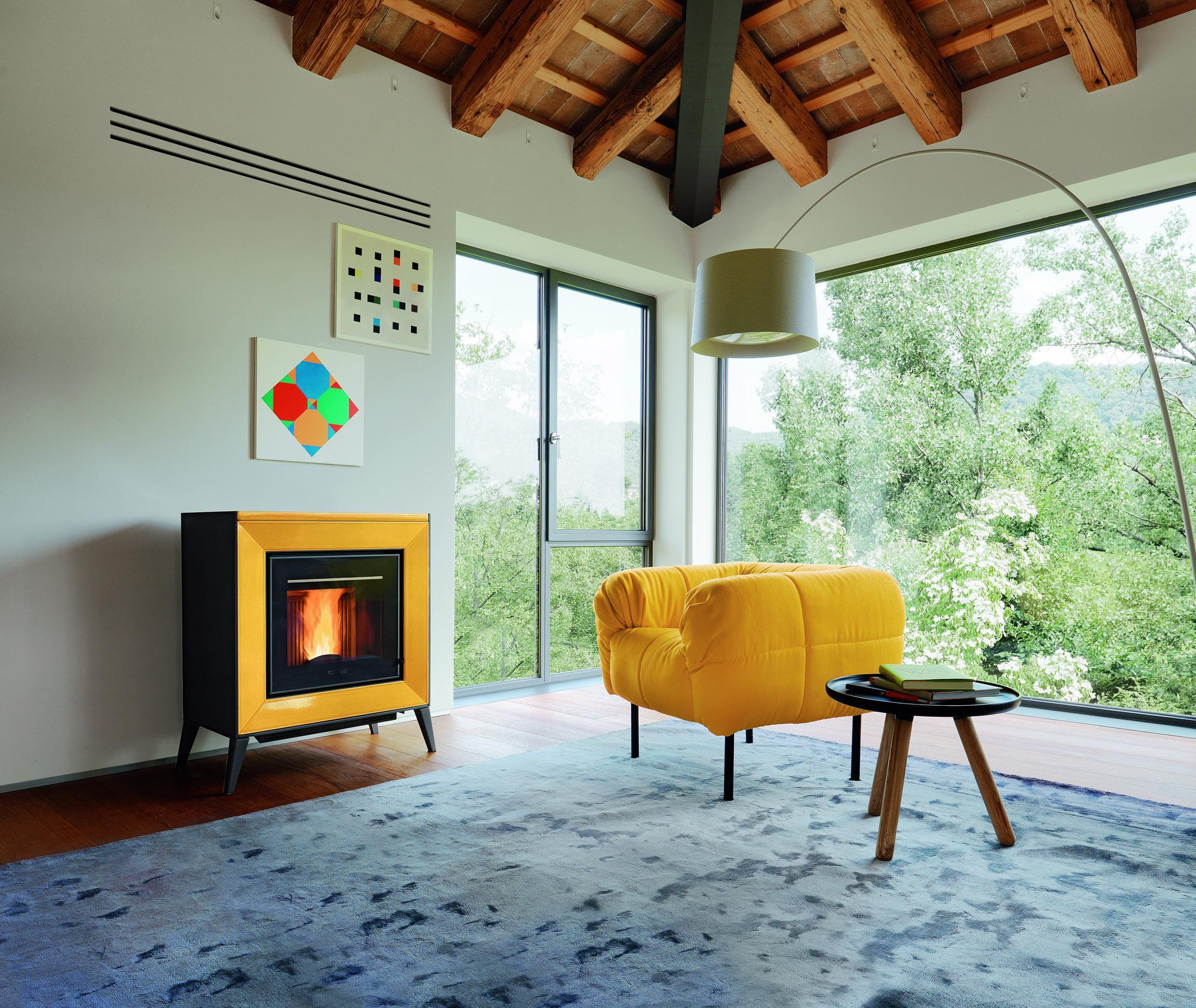 Wohnzimmer Kamin Bilder Ideen Couch