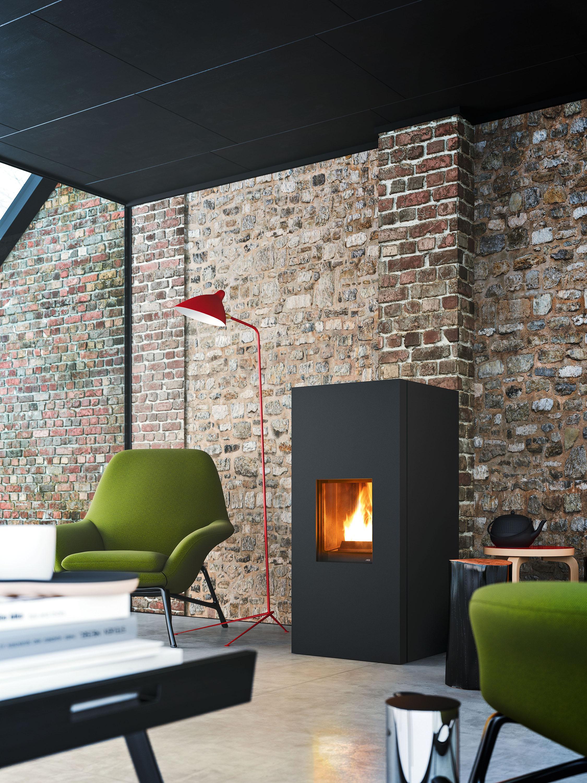 Charmant Moderner Kamin Vor Mauerwerk #kamin #wohnzimmer #sessel #steinwand  #mauerwand #zimmergestaltung