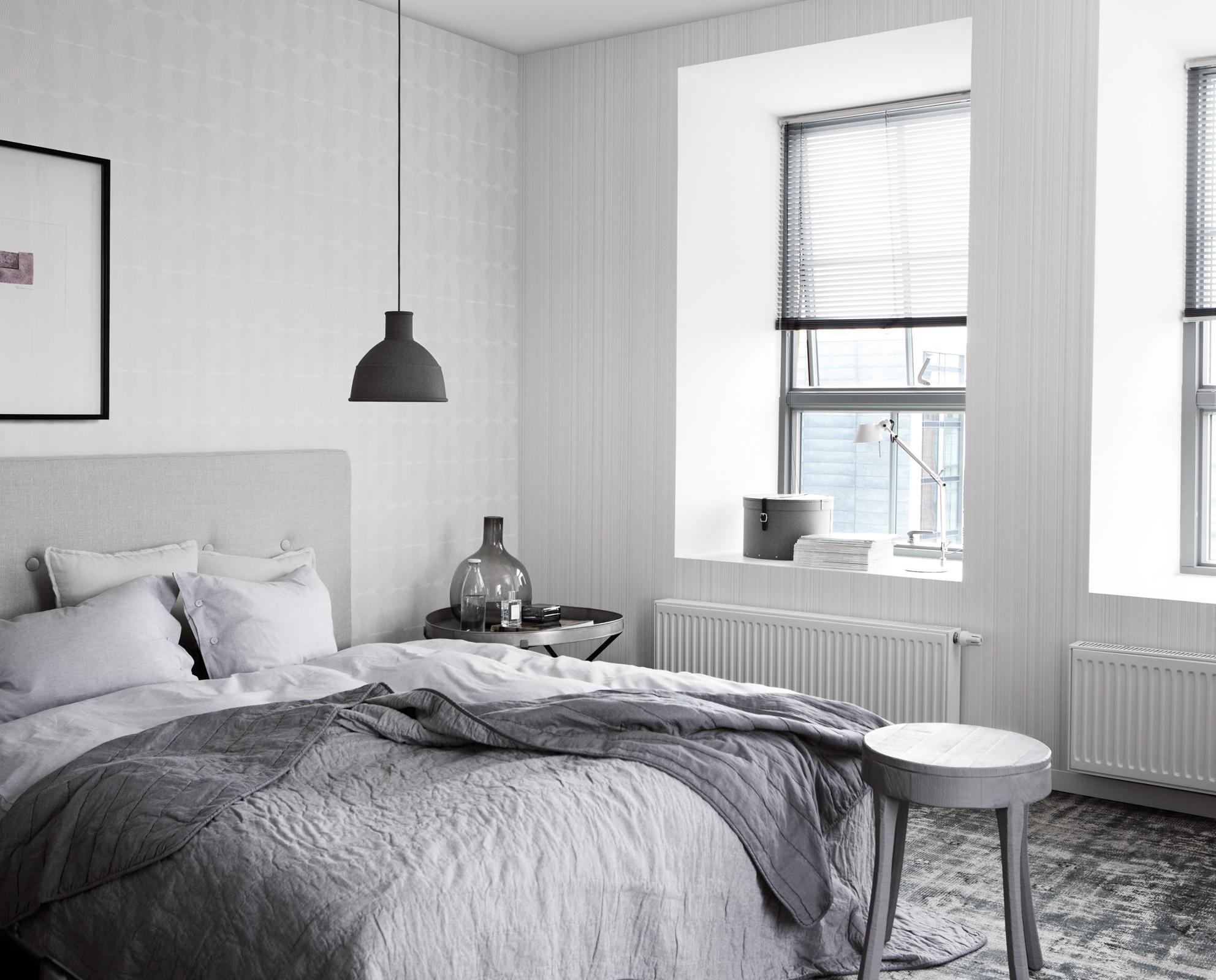 Modernes Schlafzimmer in Grau-Weiß #bilderrahmen #gr...