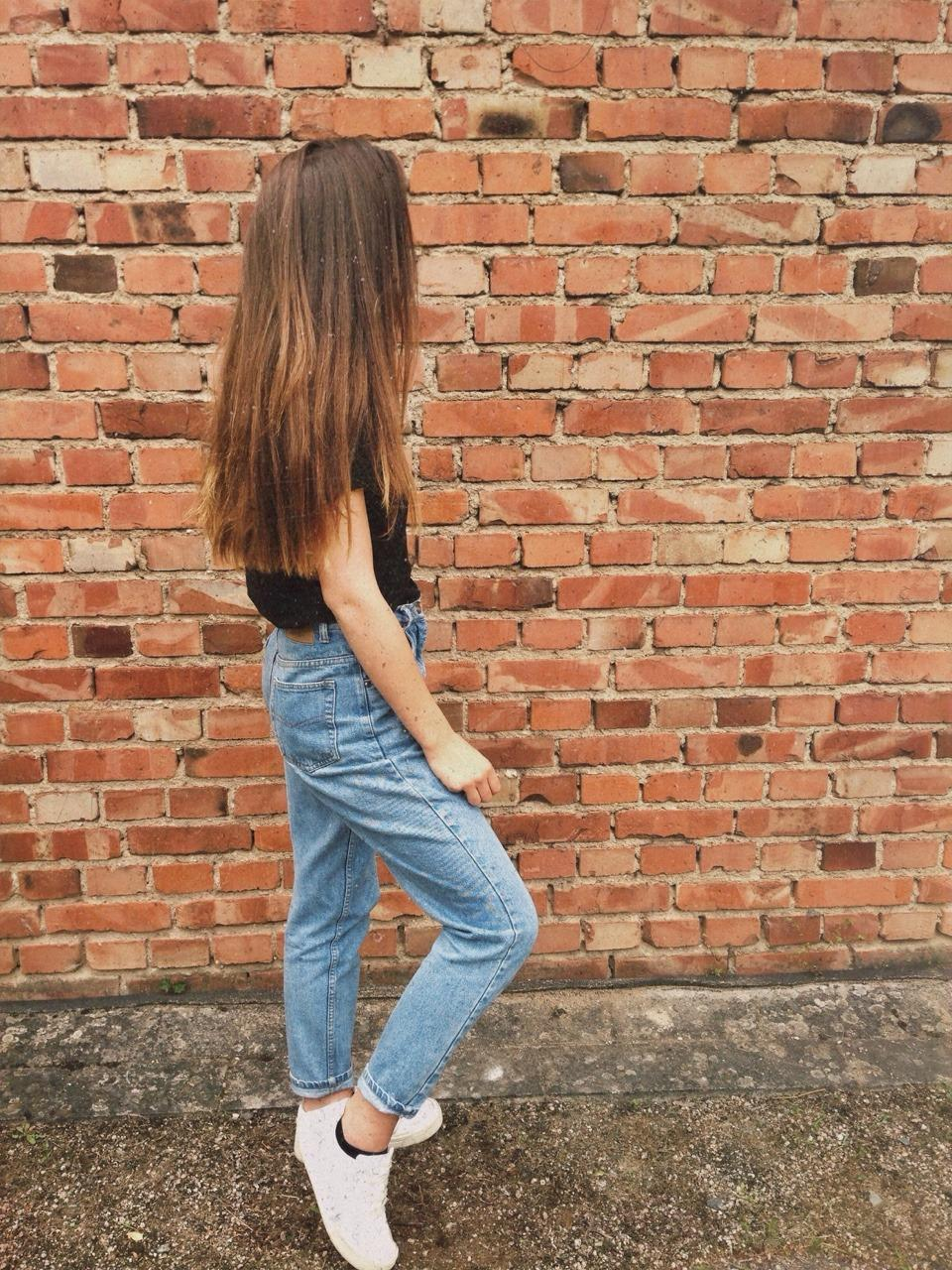 #momjeans #hair #wall