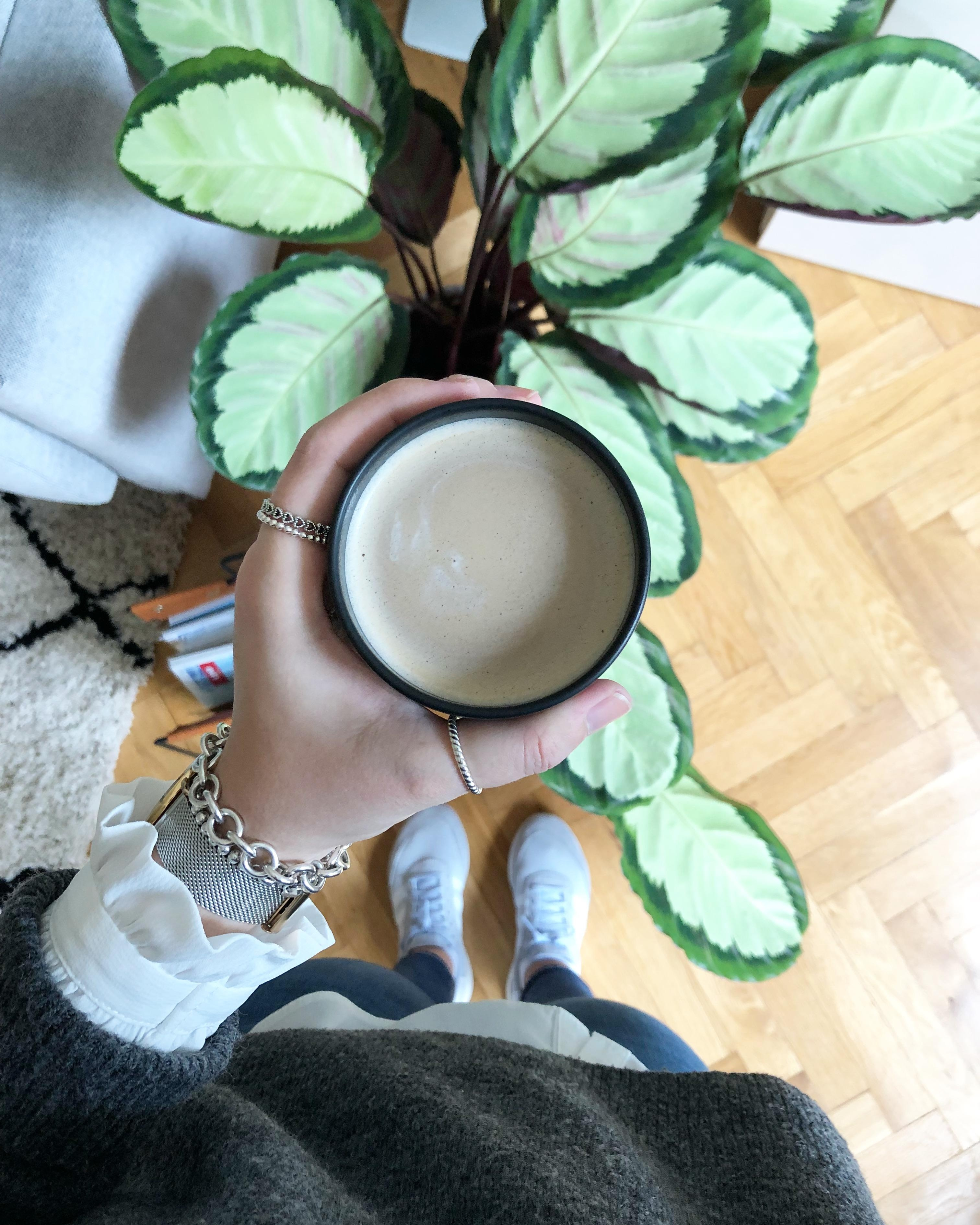 Montag überstanden. ✔️ #monday #coffee #plants #couchstyle #home