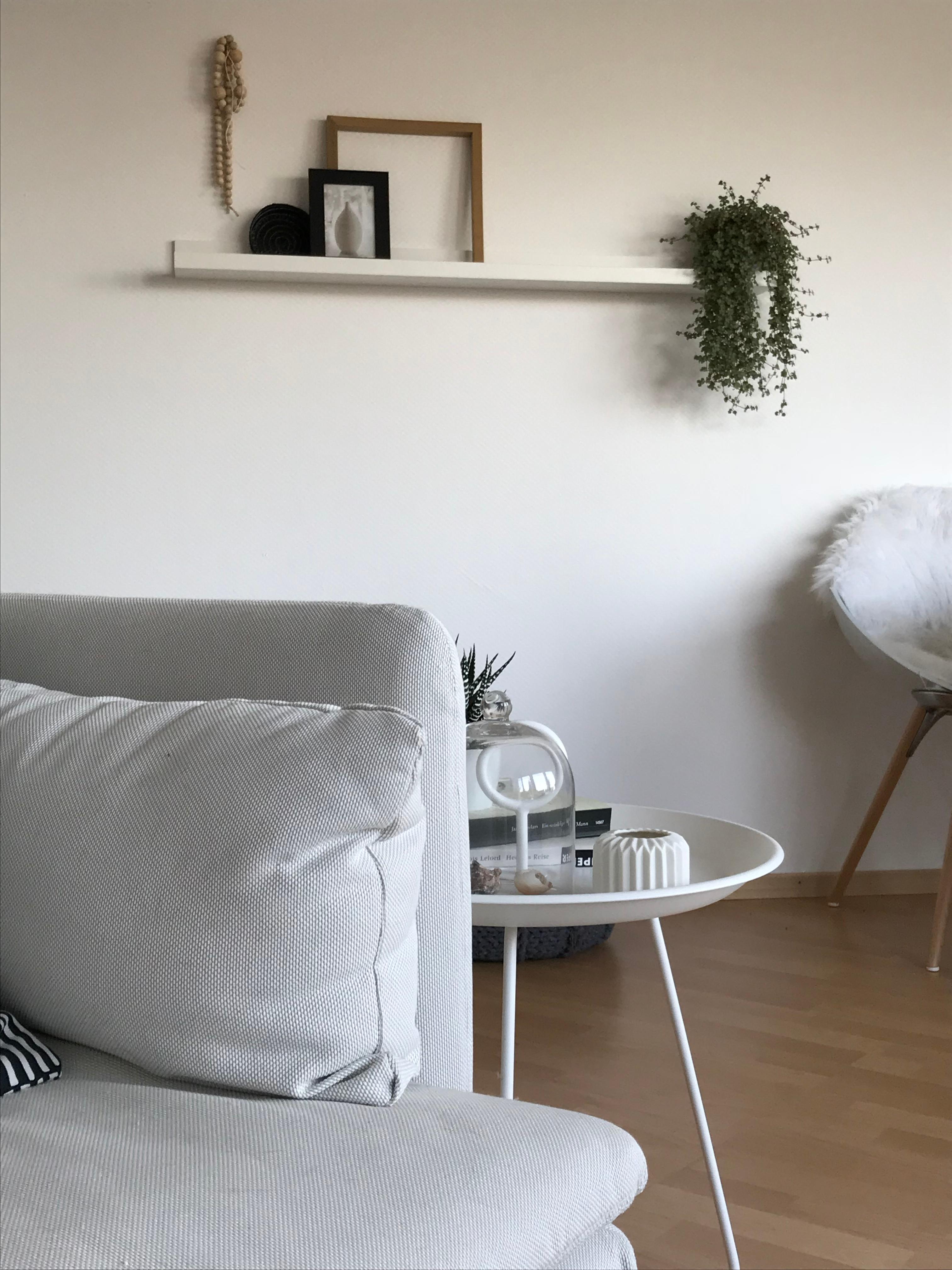 morgenlicht wohnzimmer skandinavisch bilderleiste beistelltisch couchstyle