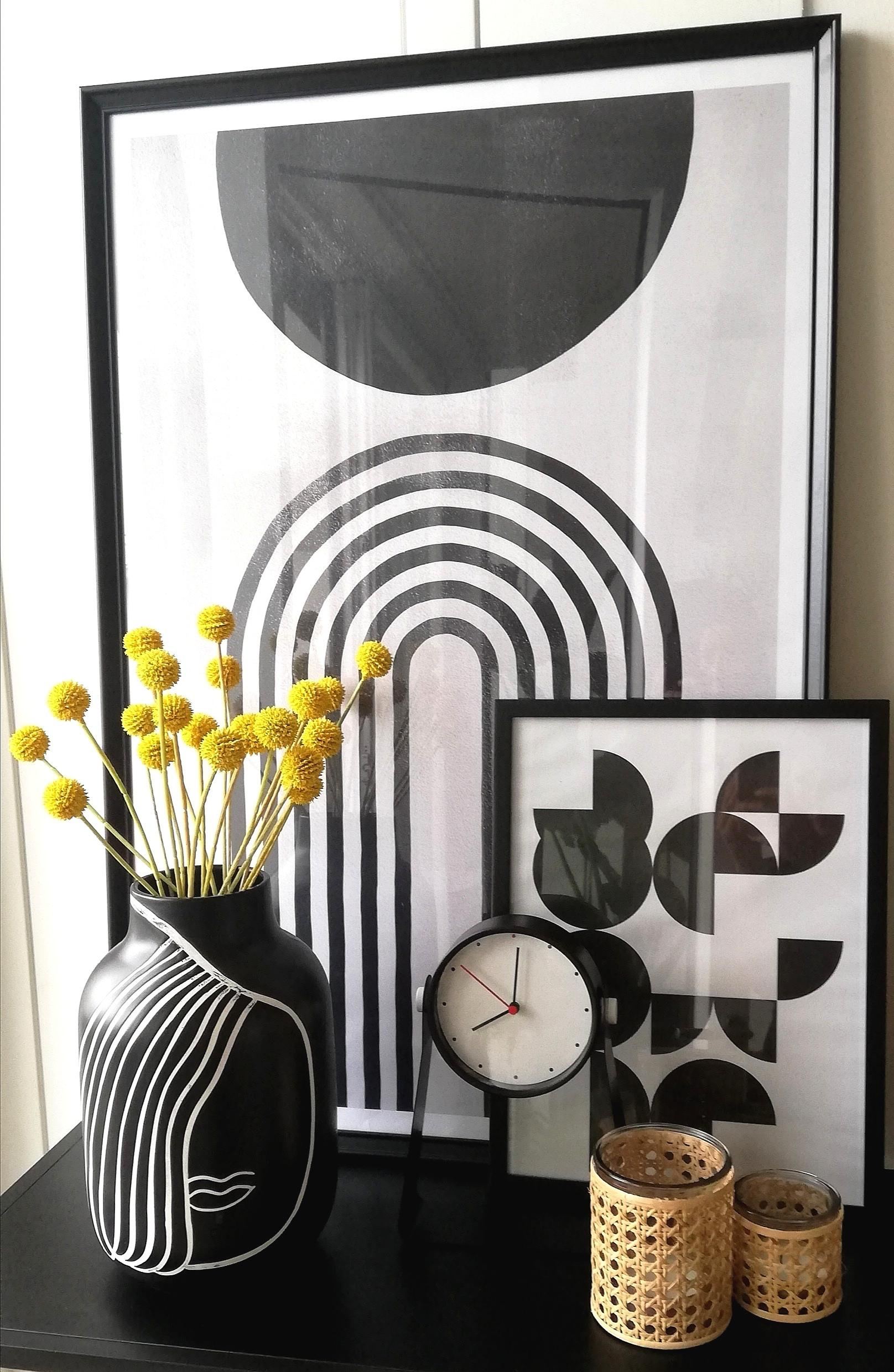 #motelamiio #vase #porcelain #blackandwhite #decor #decoration #living #home #graphic #interior #homeaccessories