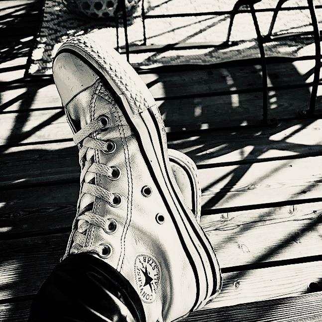 MY ALL TIME FAVORITES 🤍 #fashionchallenge #sneaker #classics #alltinefavorites #chucks #alwaysagoodidea