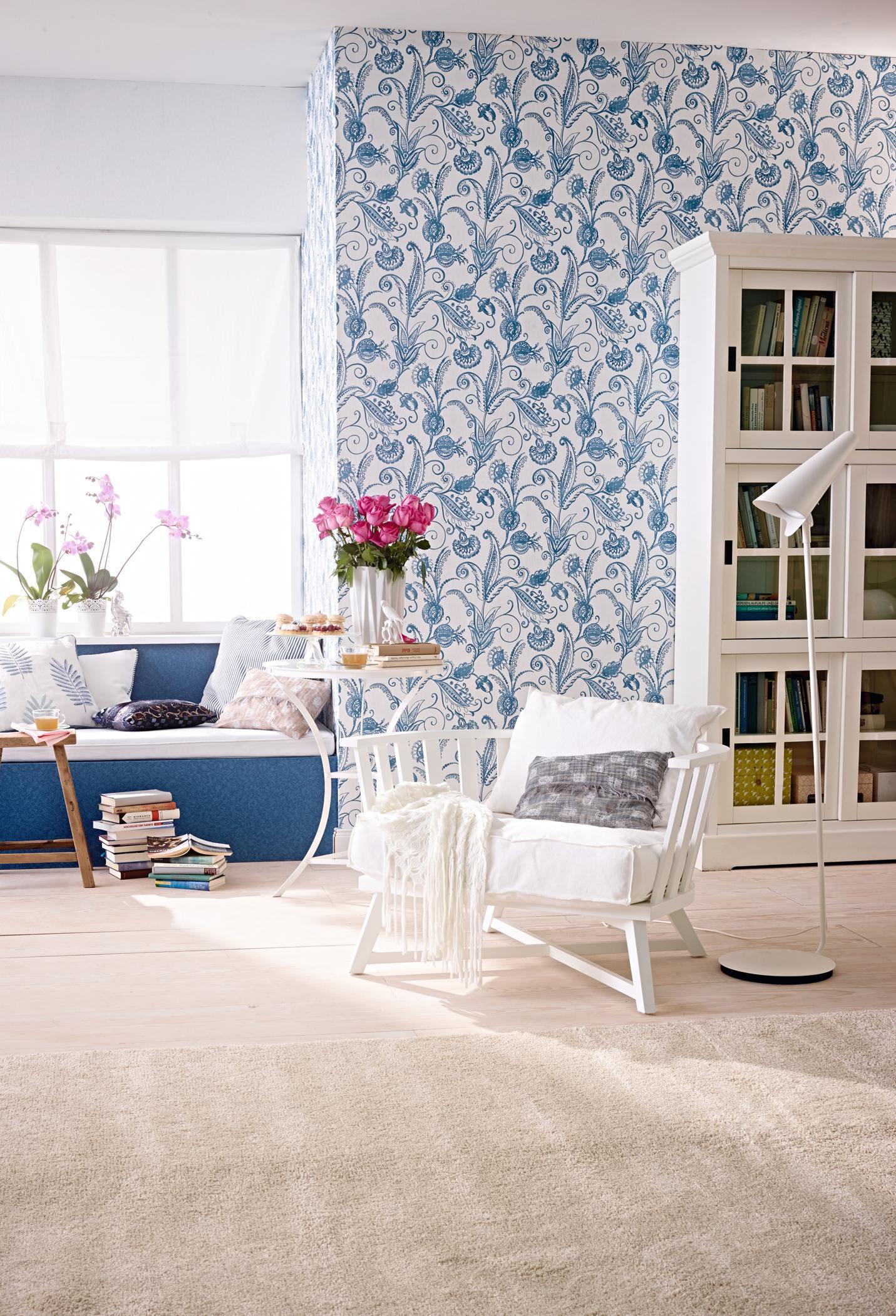 Natürlich Gestaltetes Wohnzimmer In Türkis Und Weiß