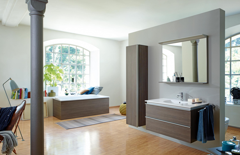 Natürliches Badezimmer #waschbecken #wandspiegel ©Du...