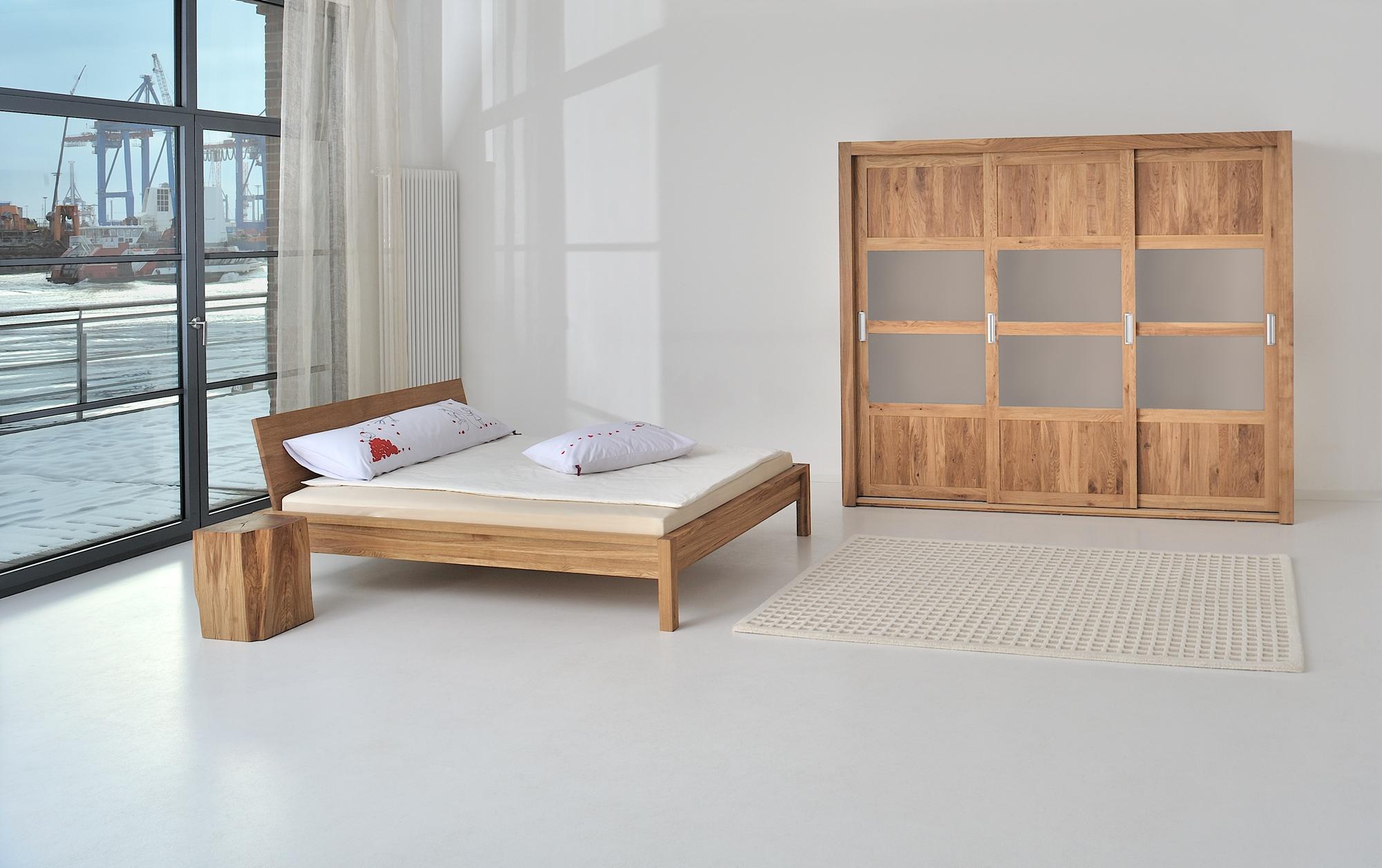 bett mit kleiderschrank. Black Bedroom Furniture Sets. Home Design Ideas