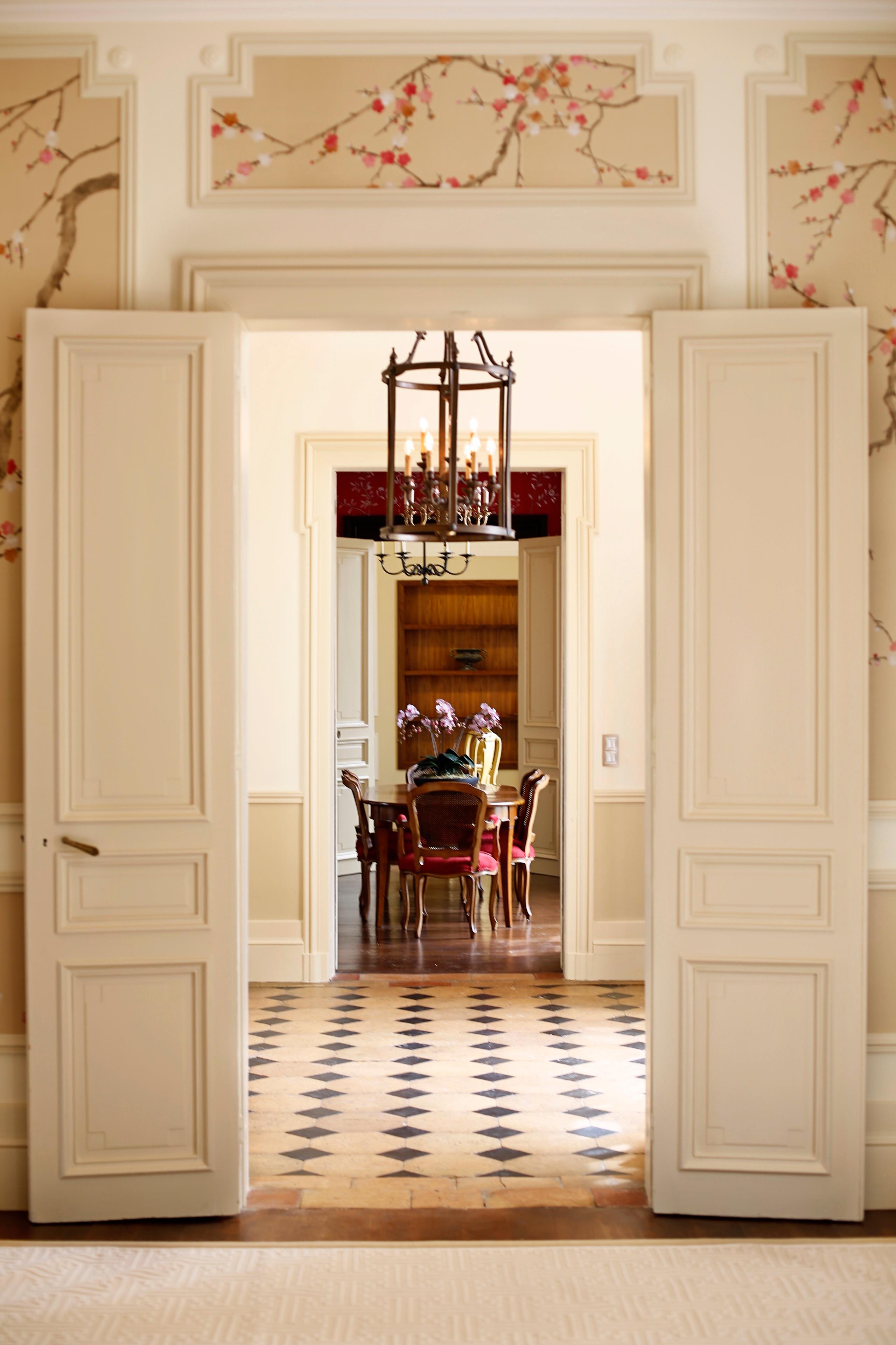 Neagle Esstisch | Sadirac, Frankreich #vintage #landhausstil #luxus  #französischerlandhausstil ©Oficina
