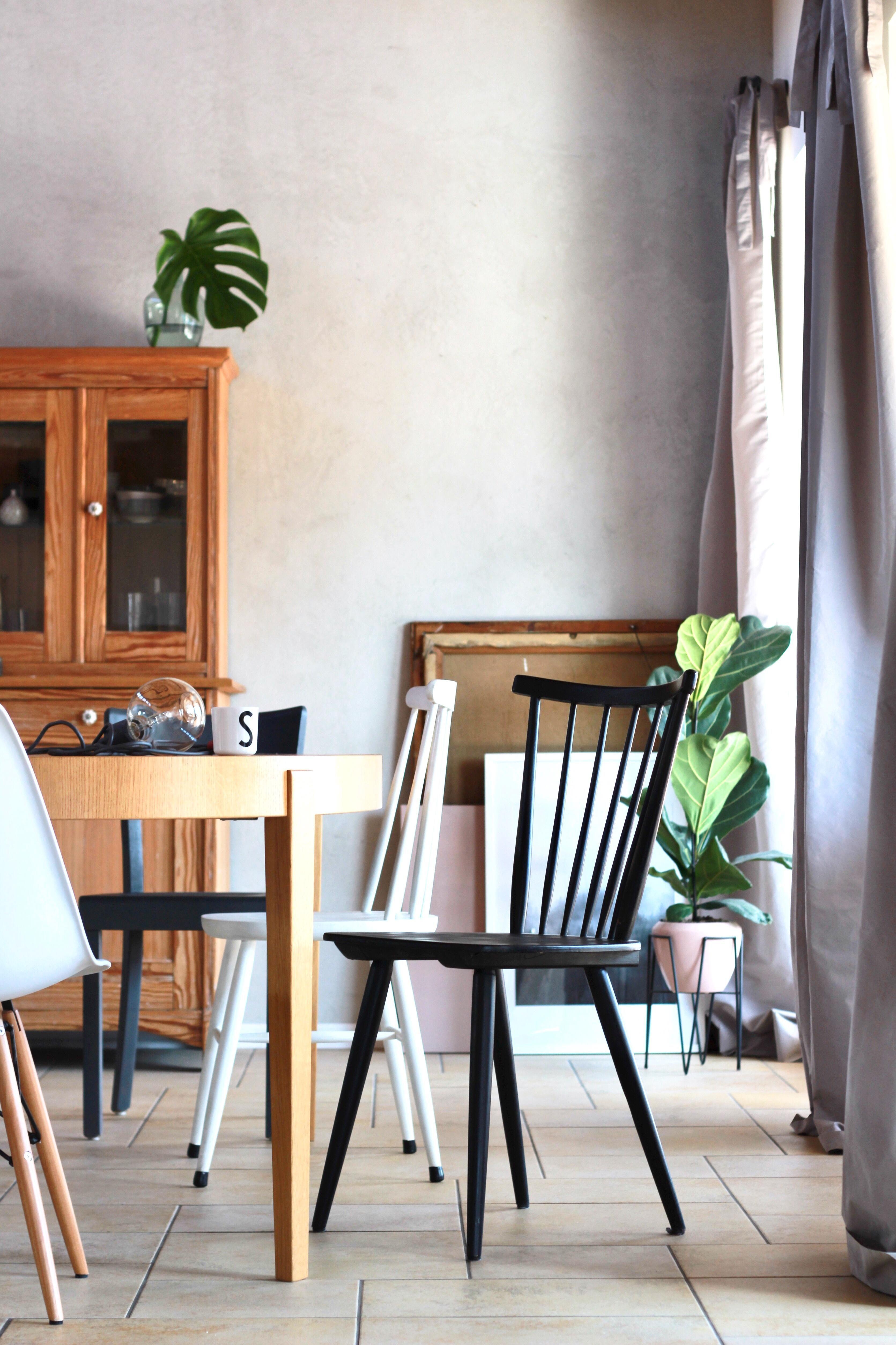 Neulich Im Esszimmer... #interior #living #esszimmer #stuhlmix #betonwand