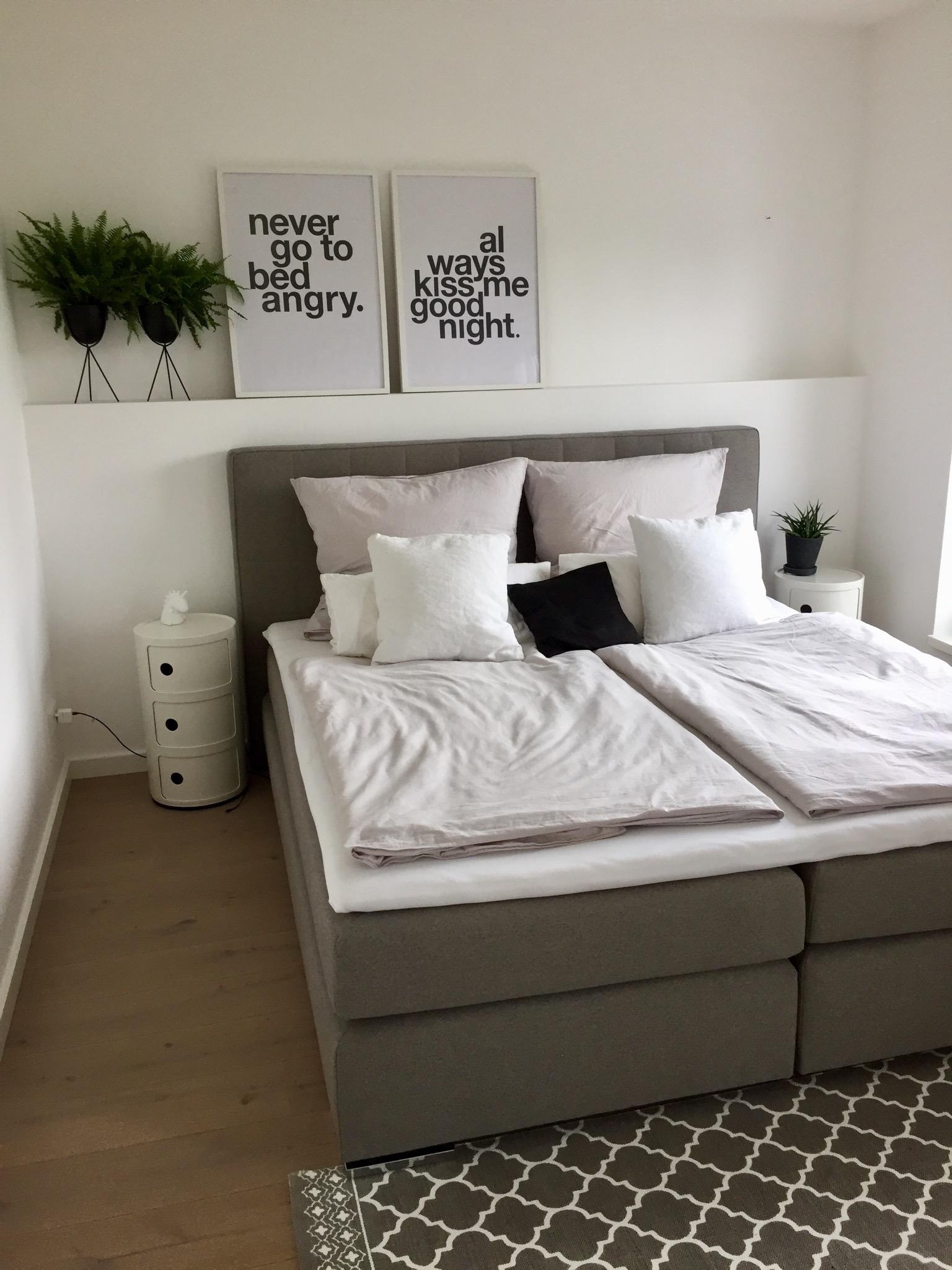 Never go to bed angry. #schlafzimmer #boxspringbett #scandistyle #interior #kartell #lieblingsplatz