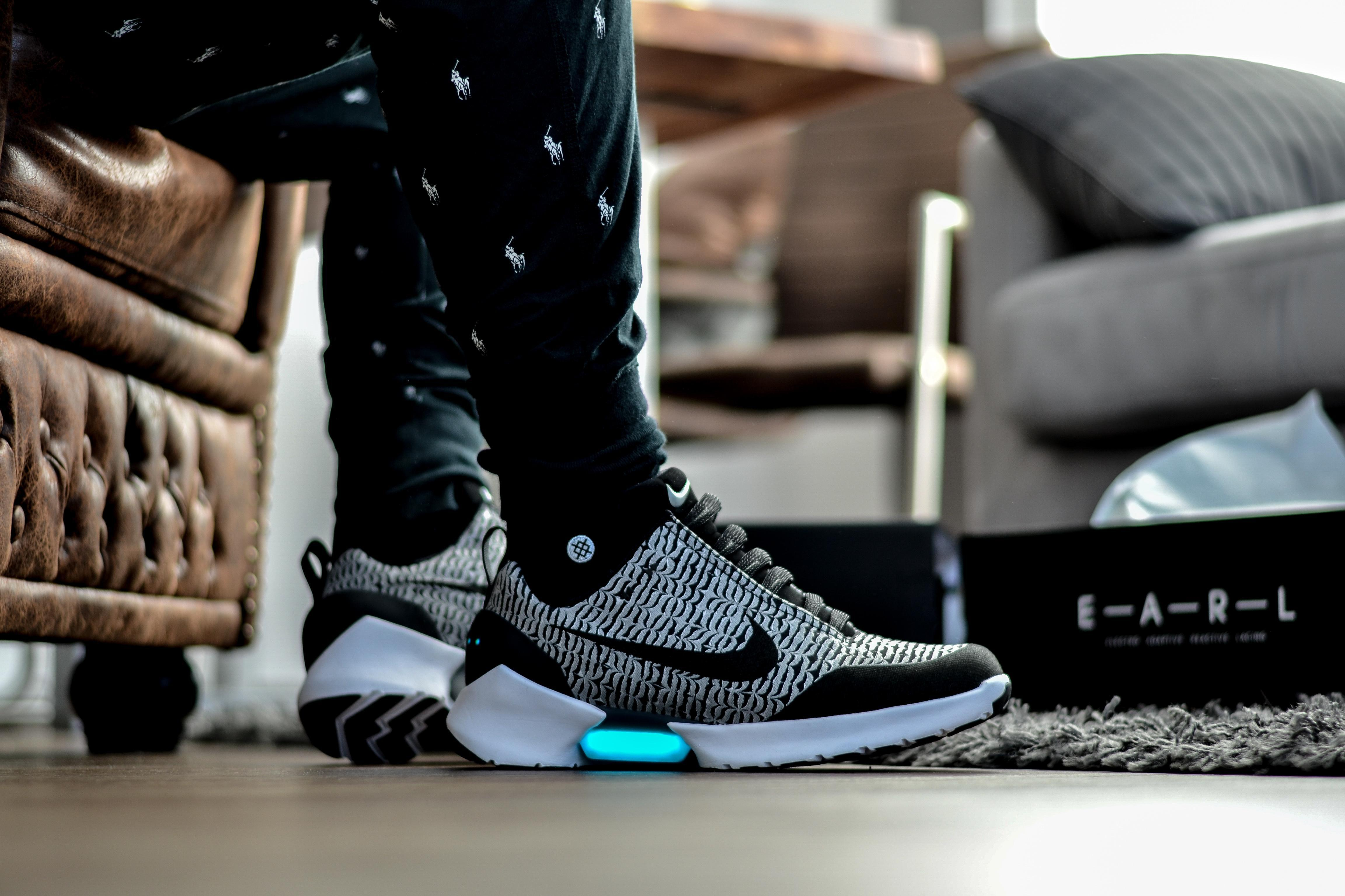 Nike hyperadapt 10 mit electro adaptive reactive lacing sneaker stance ralphlauren sweatpants chesterfield ootd  eab96c9f 7231 4209 8880 a10b8987ae5f