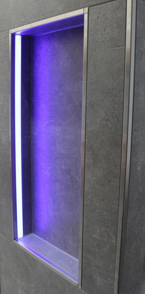 Nische In Der Dusche Mit LED Technik #bad #ablage #badezimmer #nische ©