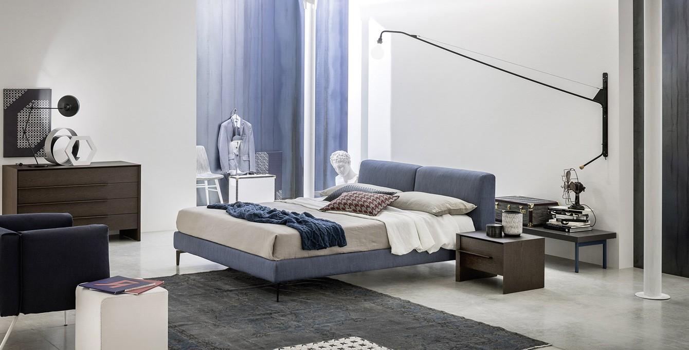 Farben im schlafzimmer bilder ideen couchstyle for Kommode vor bett